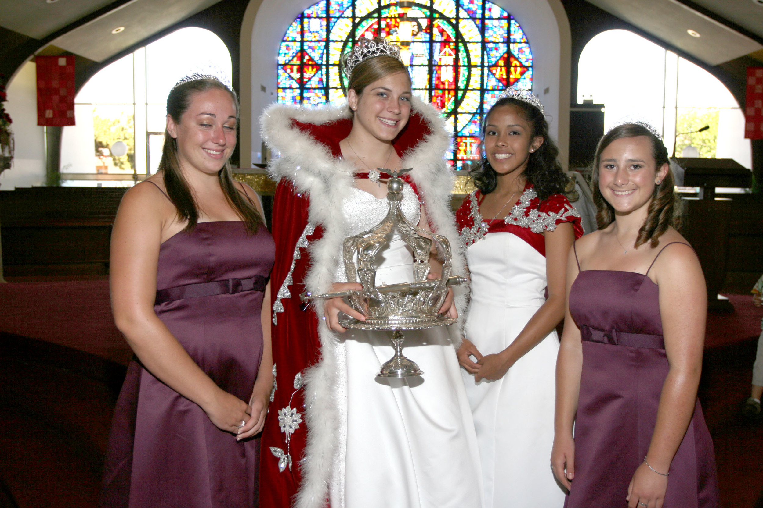 2006 Festival Queen - Danielle Goularte   Sidemaids - Courtney Fine & Kimberly Dutrow