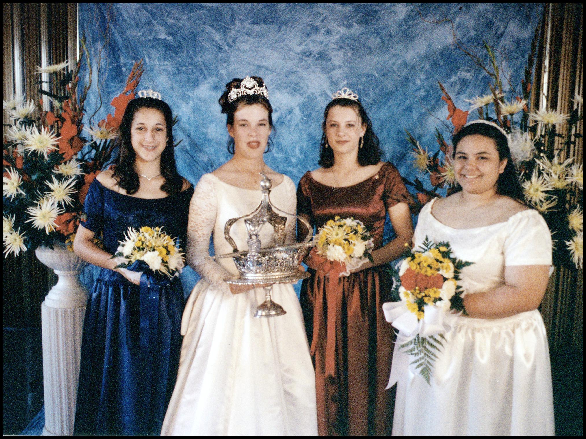 1 996 Festival Queen -  Kelli Cantlon Walden    Sidemaids - Amanda Montiero & Jessica Marin
