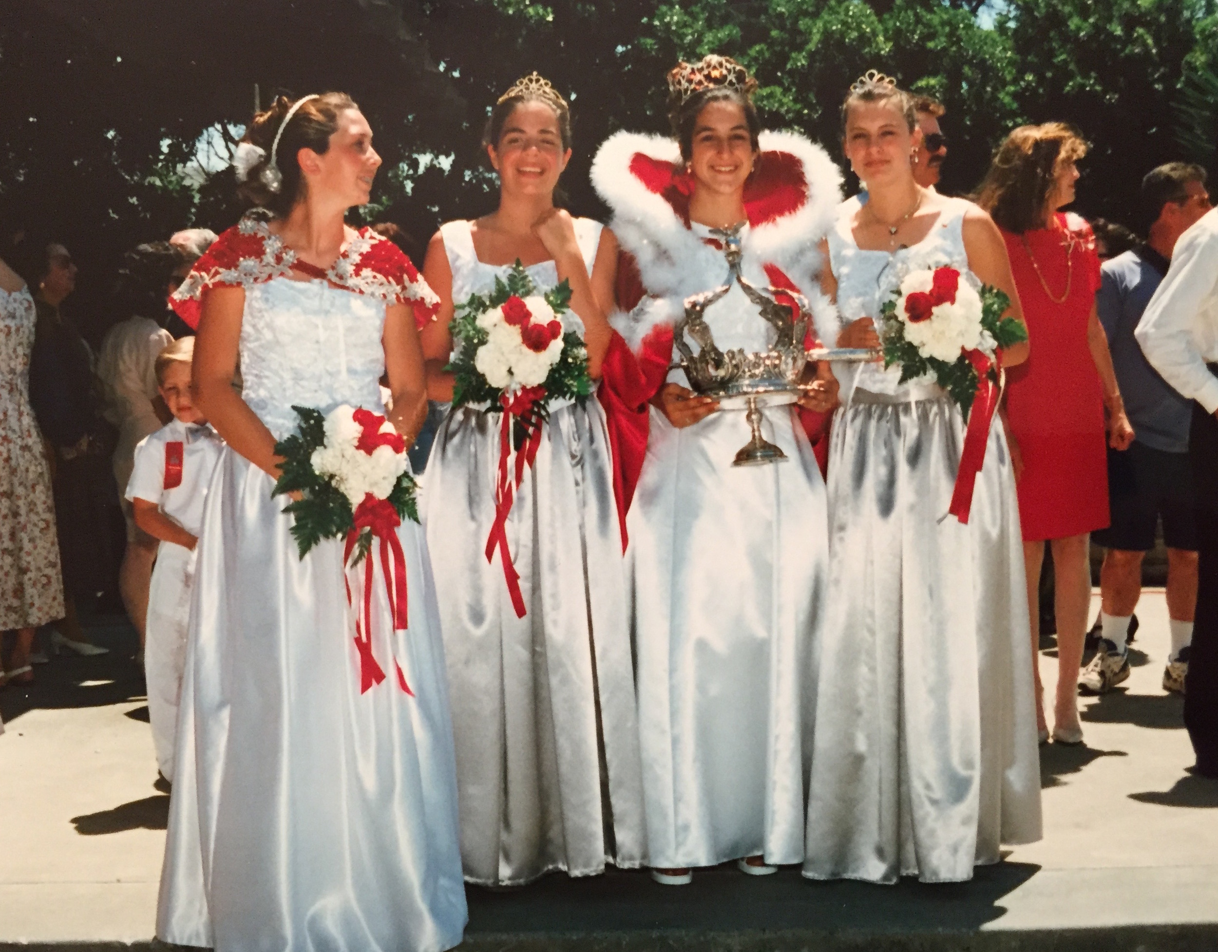 1997   Festival Queen - Amanda Monteiro - Lingle    Sidemaids - Jessica Marin & Kristen Rinetti