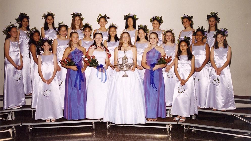 2002 Festival Queen - Stephanie Randazzo   Sidemaids - Jillian Loyd & Lindsay Johnson