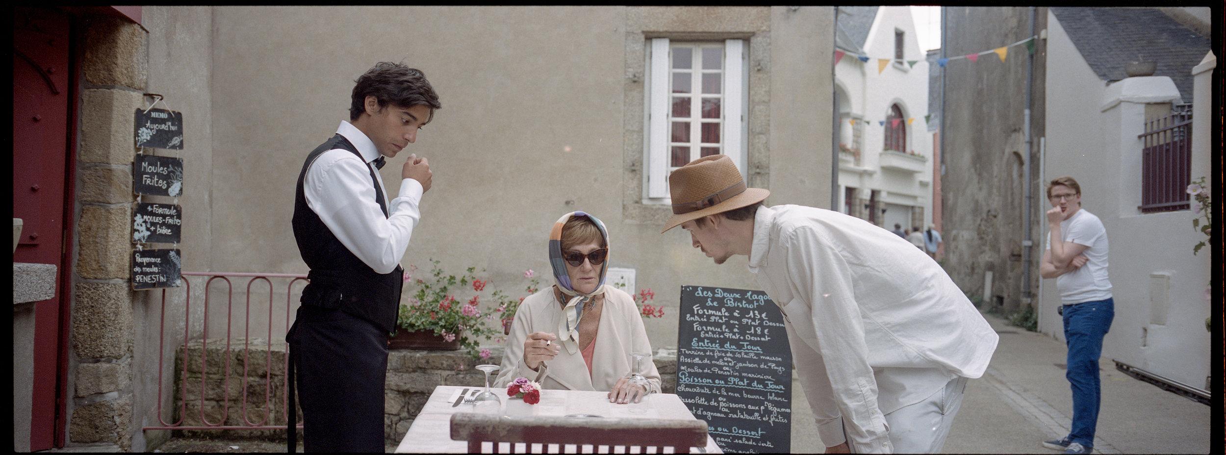"""Director Henrik Dahlsbakken, gives instruction to actor Bente Børsum. Shooting a scene for his film """"Sensommer"""" in France."""