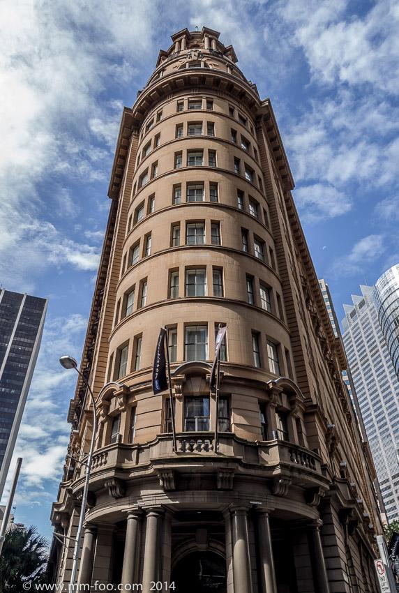 Photo Taken: Hunter St (I think), Sydney. 1/160 sec, 12mm, f/4.0, ISO100.