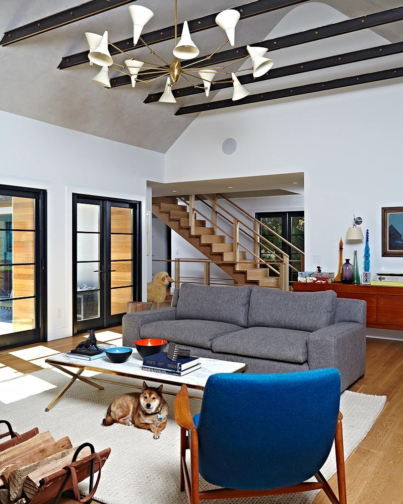 east-hampton-villa-living-room.jpg