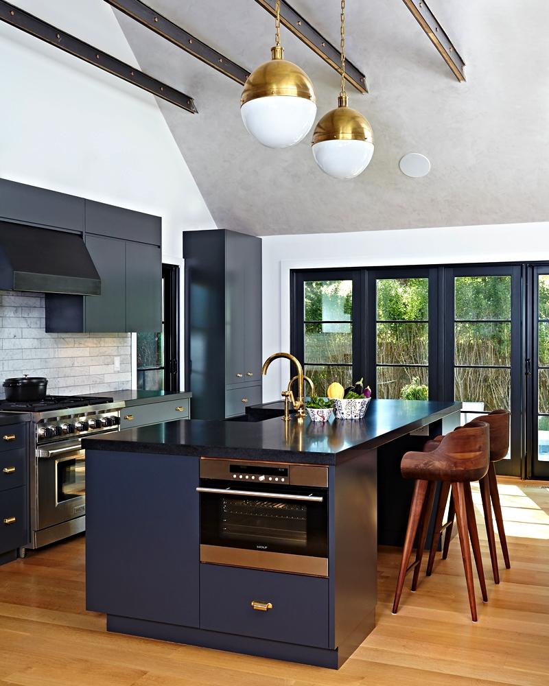 east-hampton-villa-kitchen.jpg
