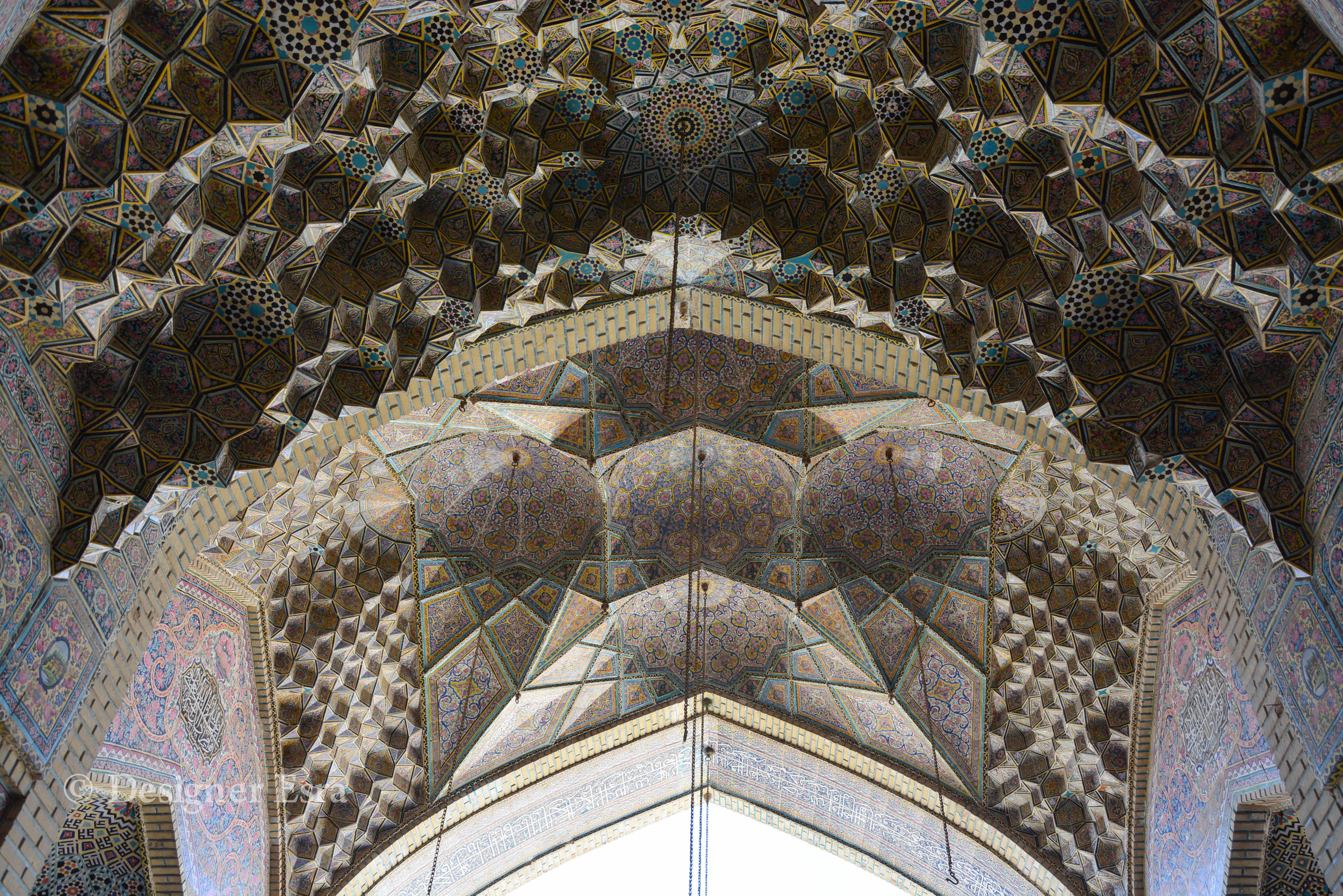 Architecture of Nasir Almulk Mosque ( Pink Mosque)