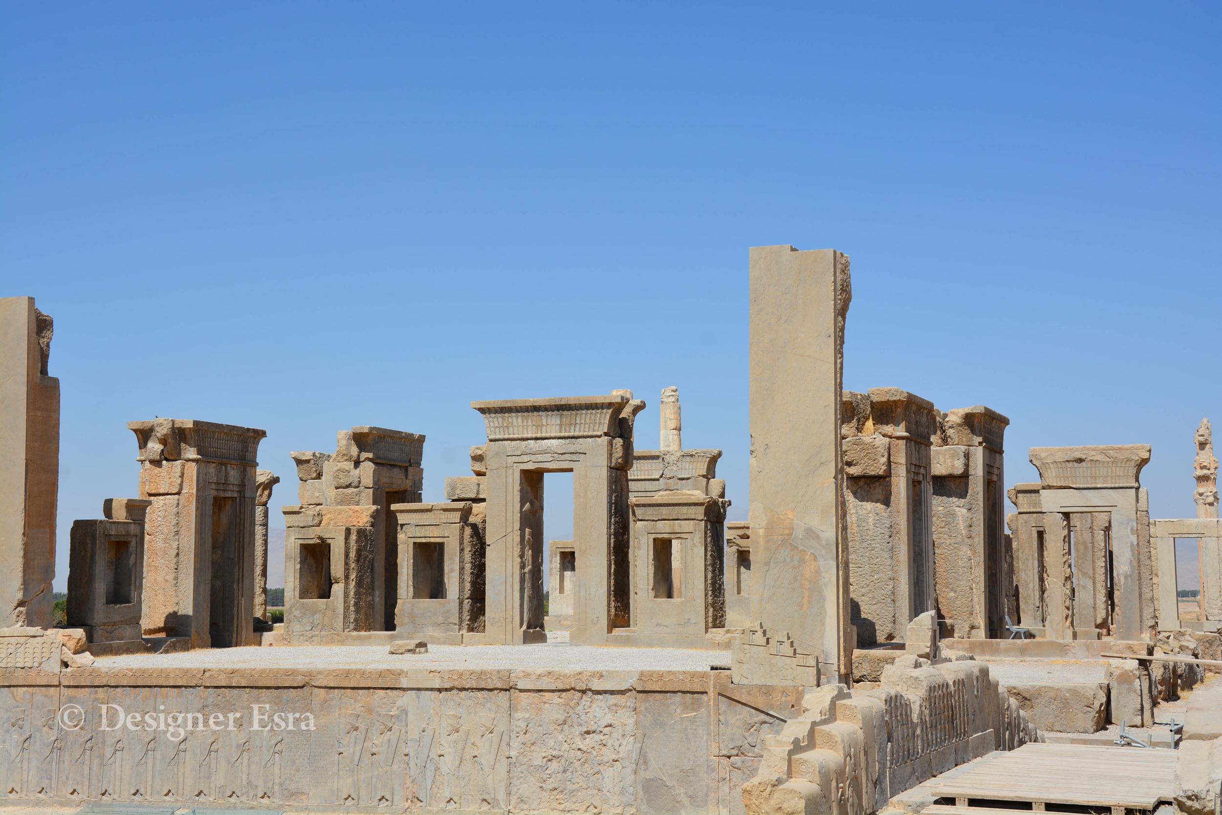 Gate of All Nations in Persepolis, Iran تخت جمشيد