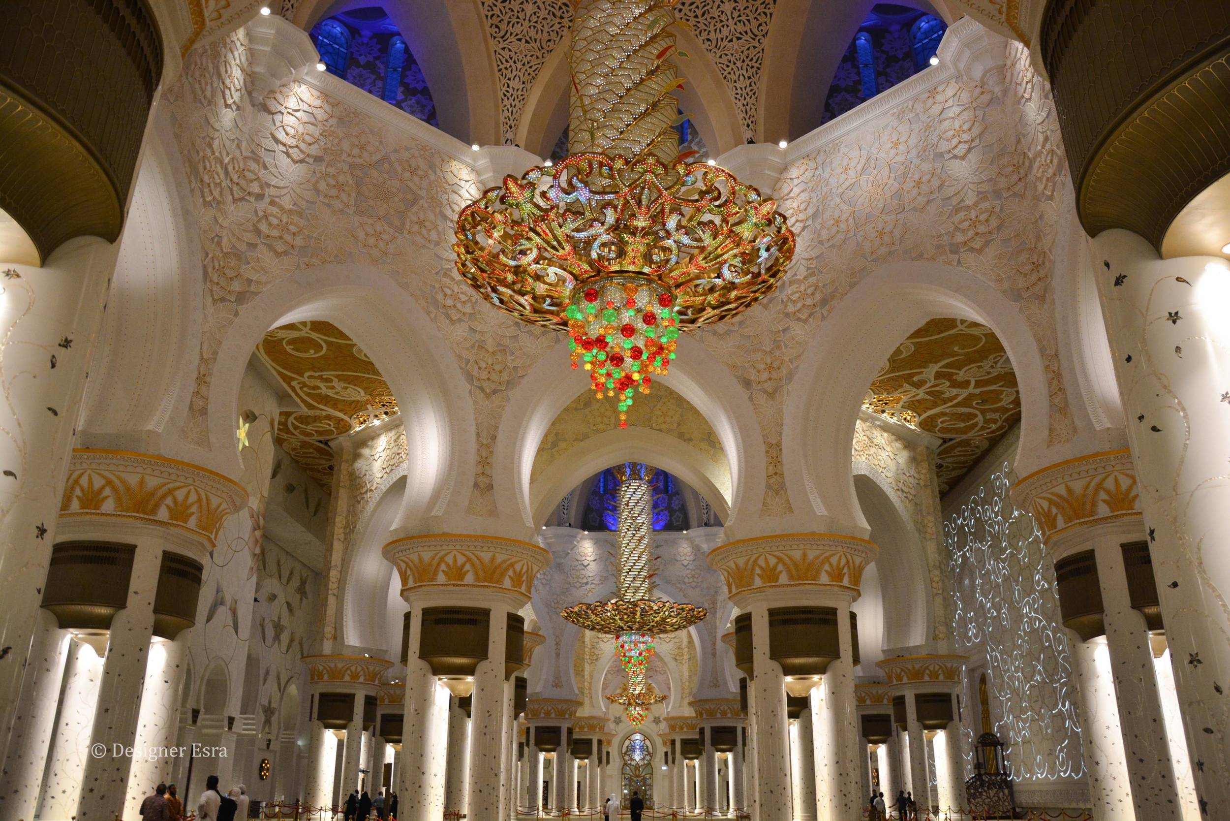 The interior design of Sheikh Zayed Grand Mosque