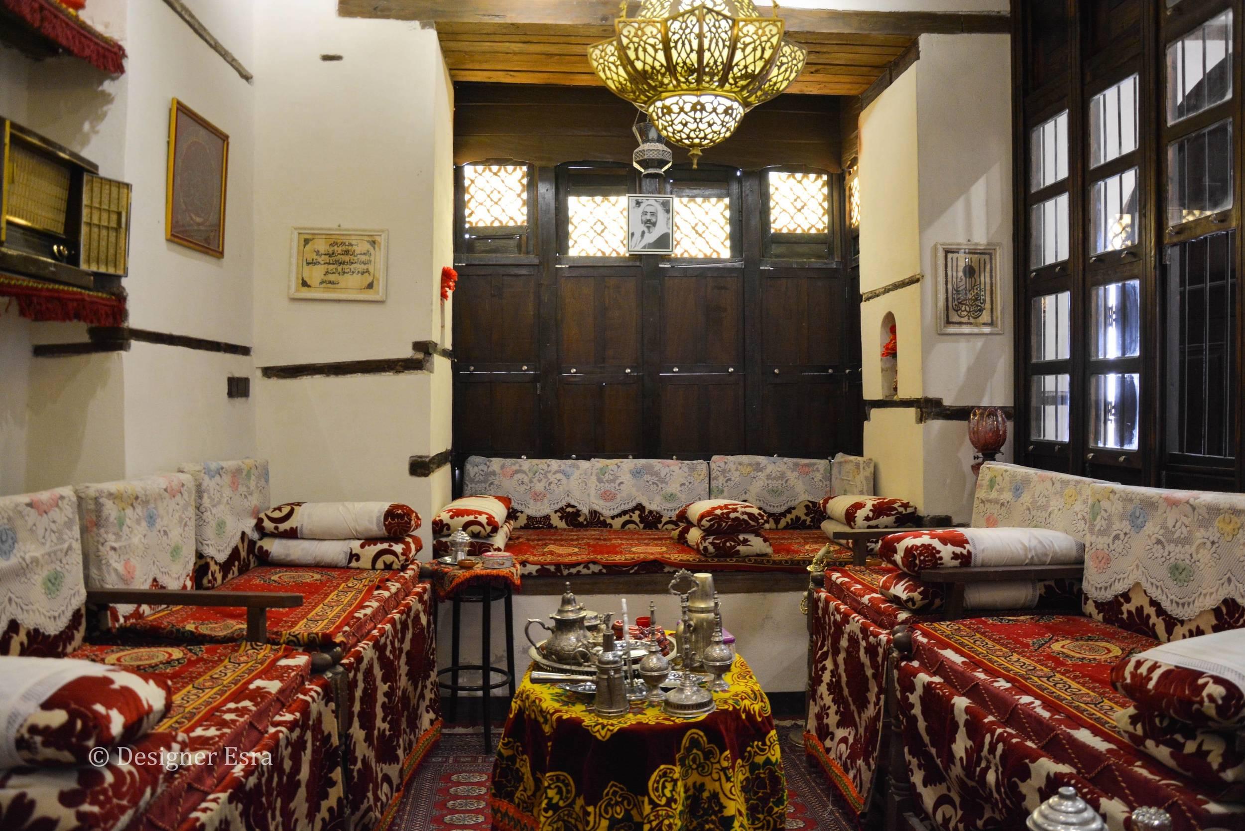 البيت الحجازي القديم في جدة - Old style Jeddah (Hijazi) living room