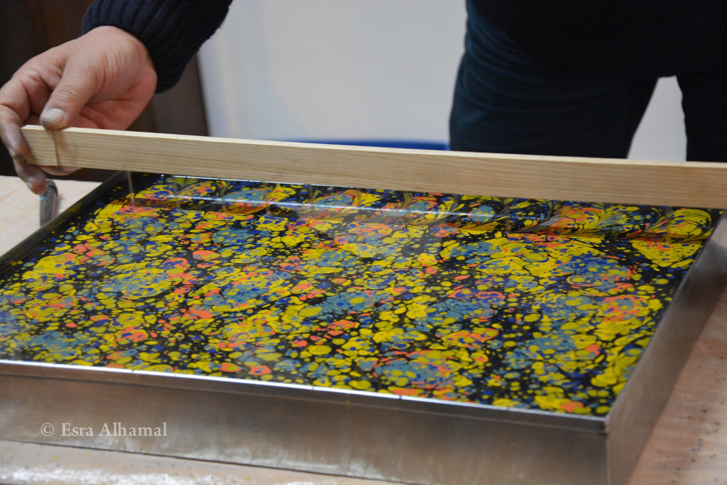 Changing the shape of Ebru/Marbling with tools