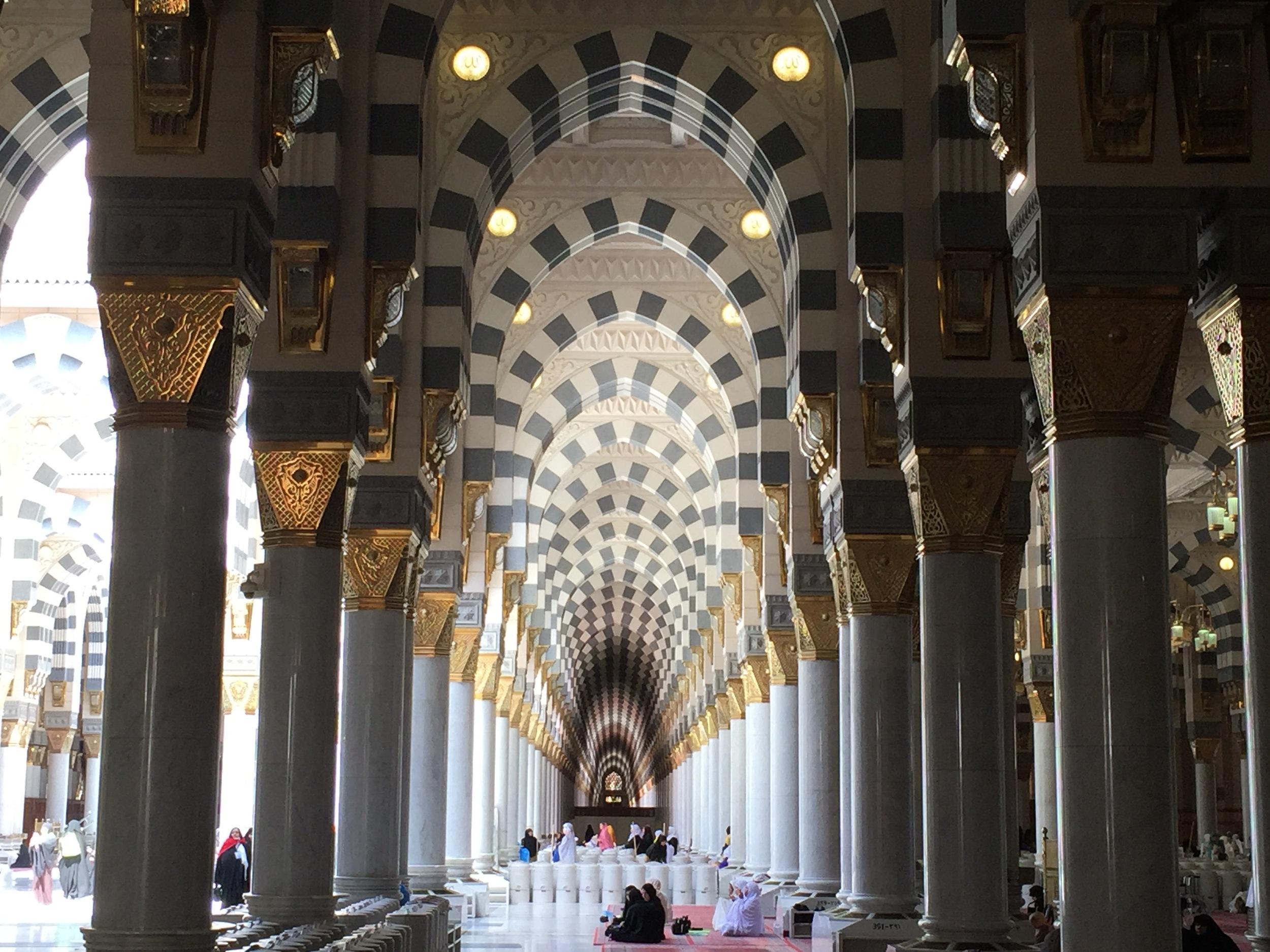 Islamic interior design in the prophet's mosque