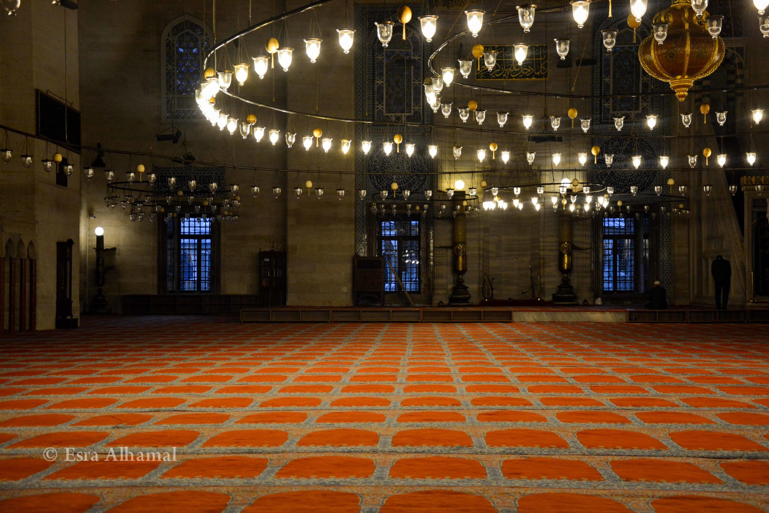 The grand lights in Sulymania mosque
