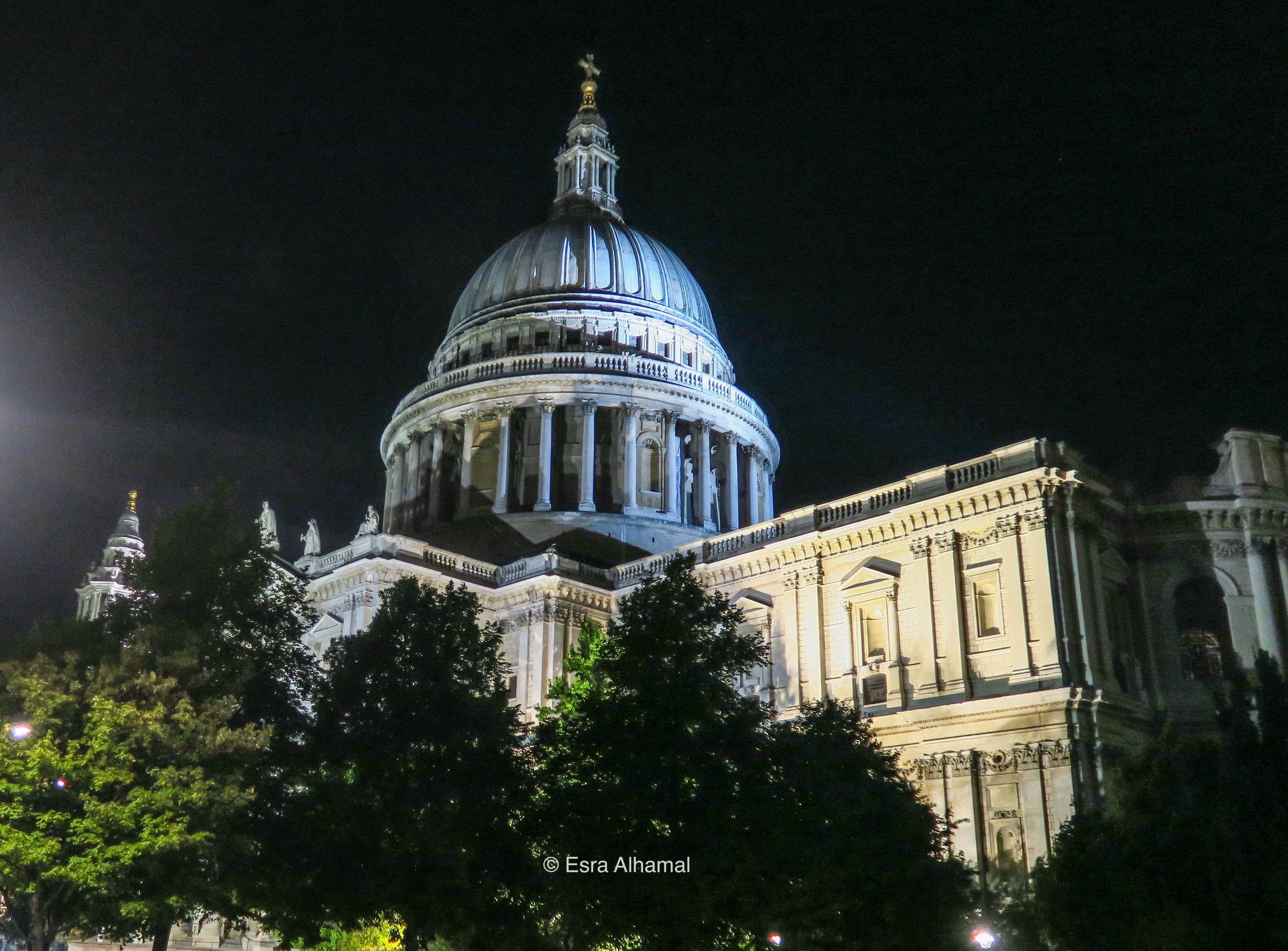 St Paul Cathedral closeup
