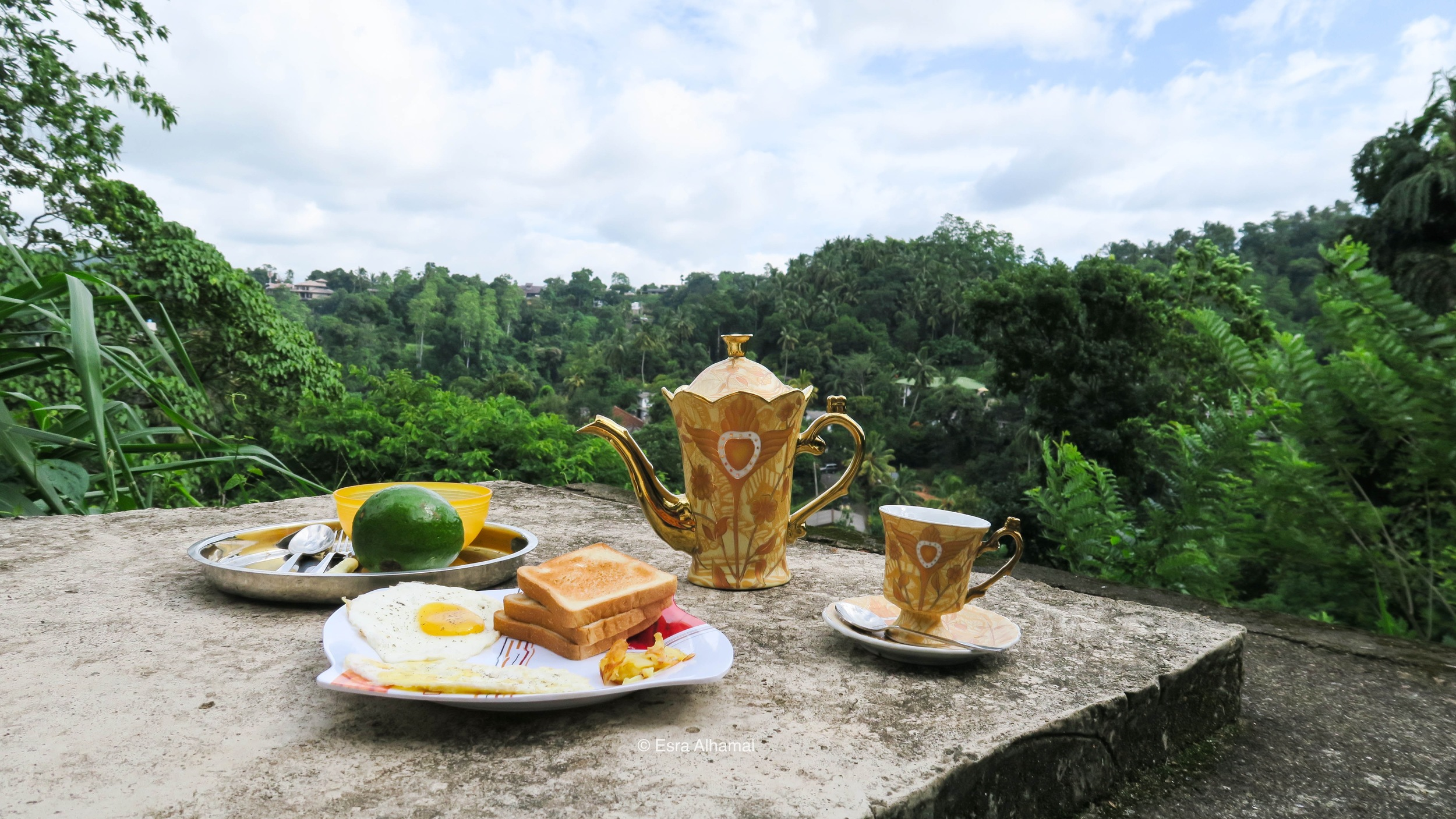 Breakfast with a view in Kandy