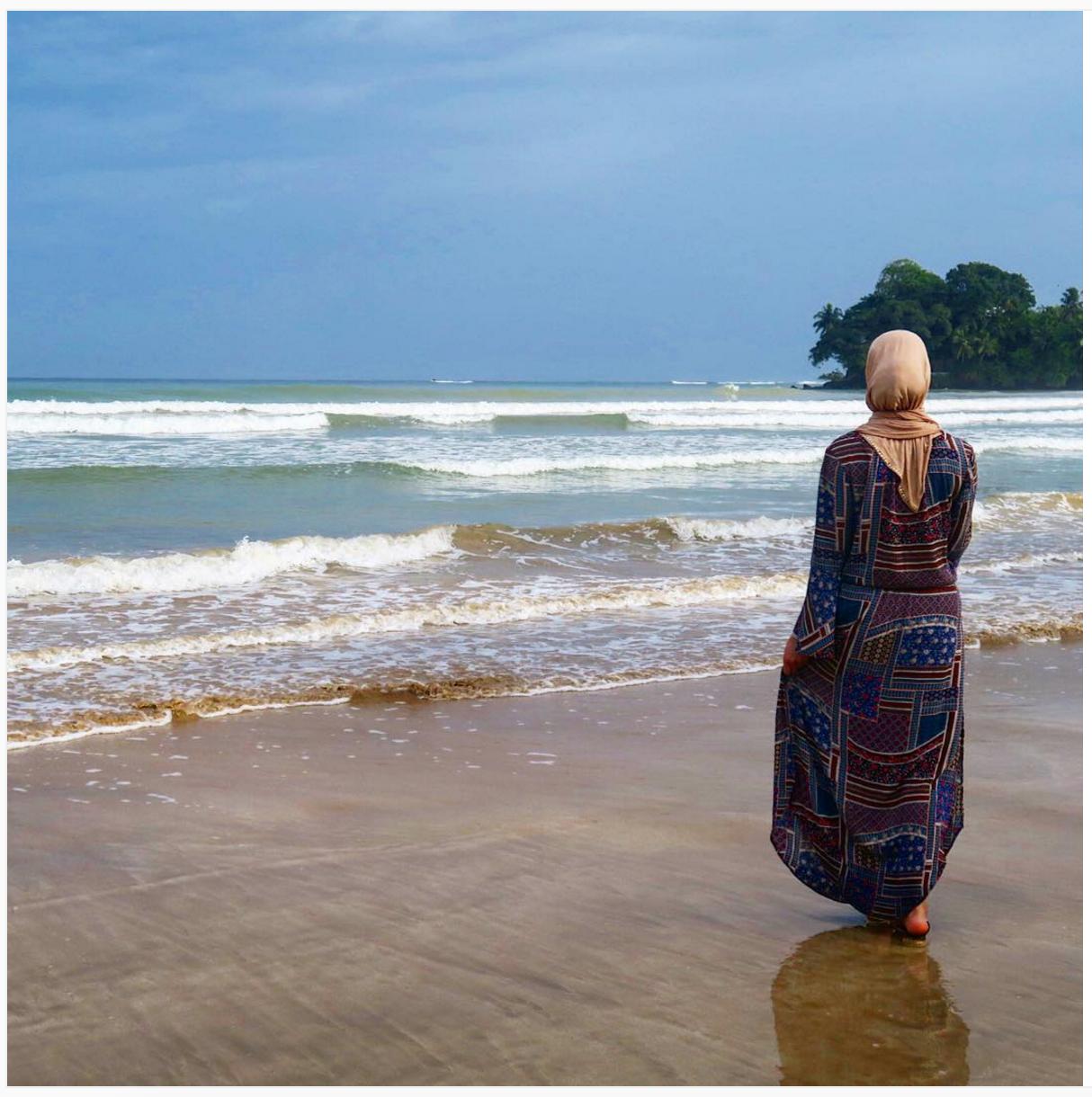 Muslim Female Travelling