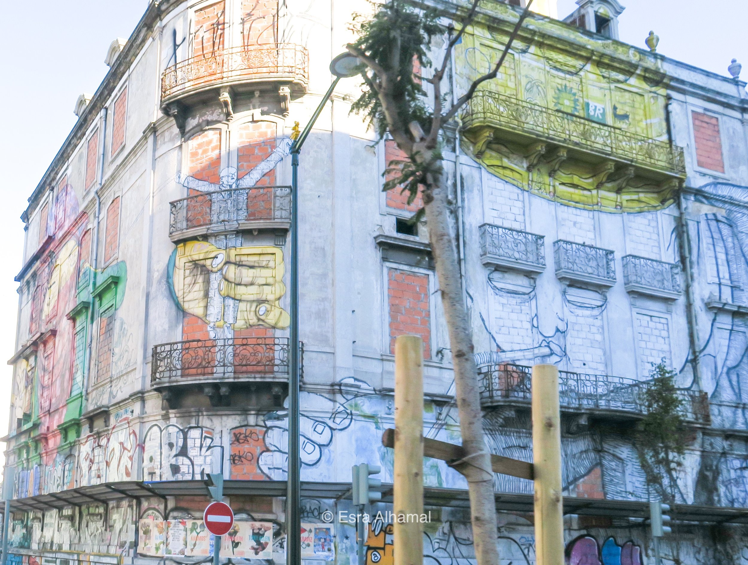 Big Scale Street Art in Lisbon