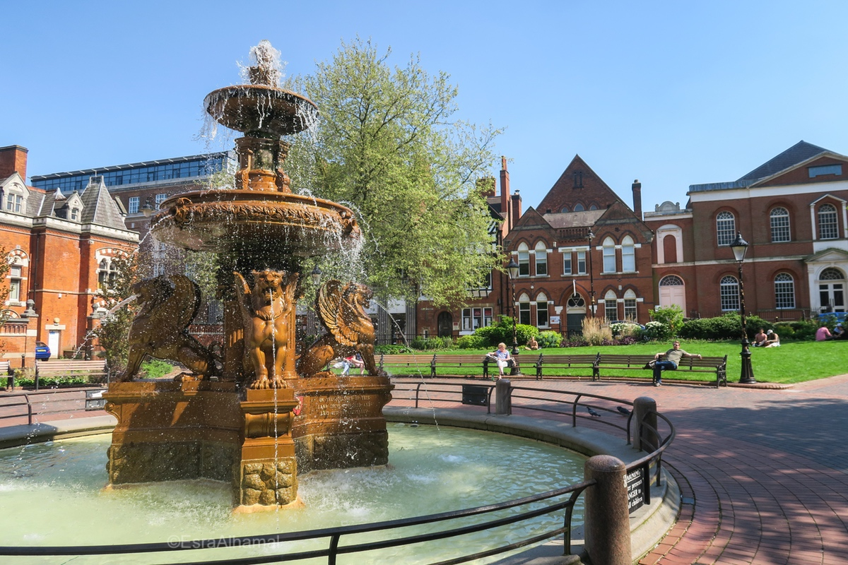 City hall and fountain in Leicester