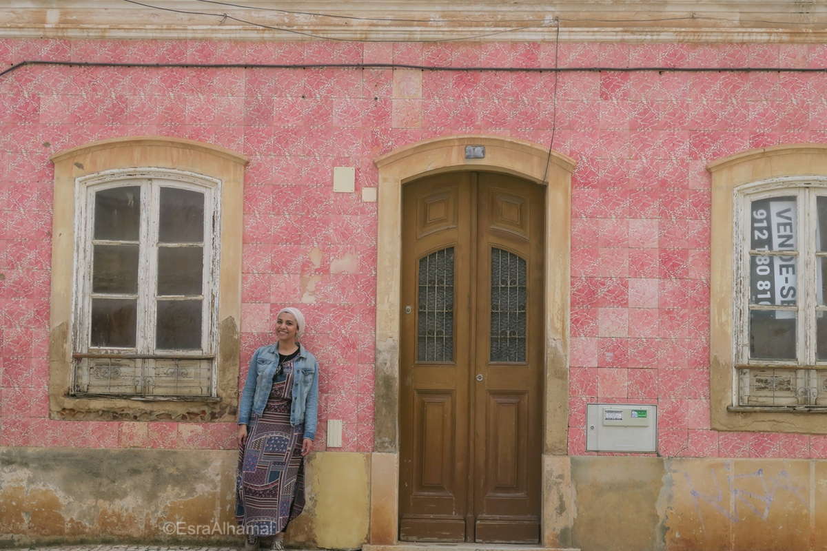 Pink tiles from Portugal in Silves