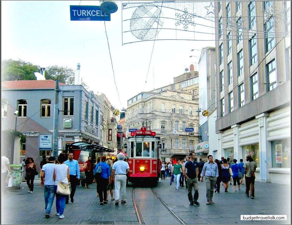 Isklital-Caddesi-Historic-Tram