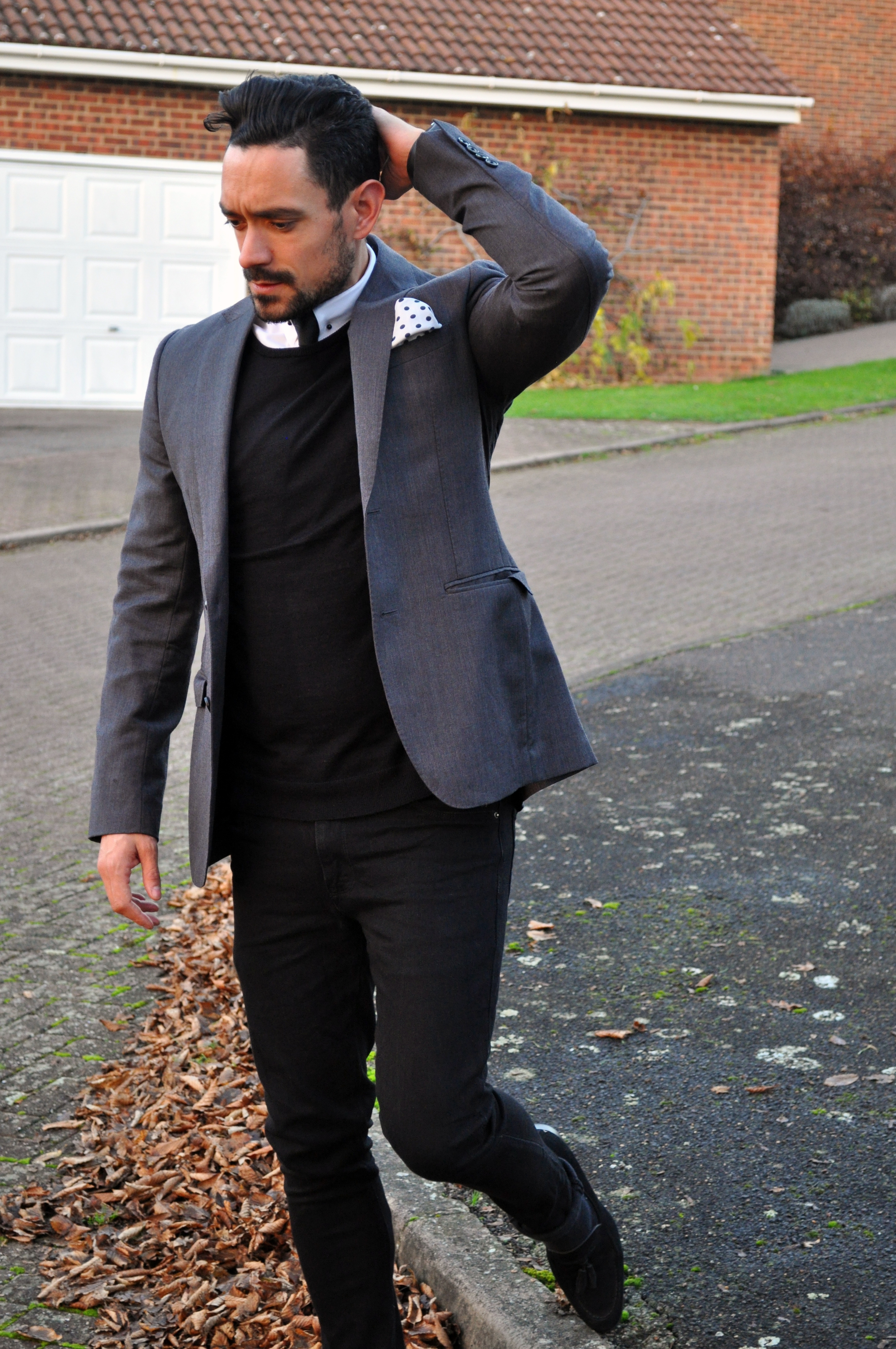Moving from Casual to Formal in the blink of an eye, added a   semi skinny black tie  ,   polka dot pocket square   and grey blazer..oh and trainers for shoes,   black (Dune)   of course.