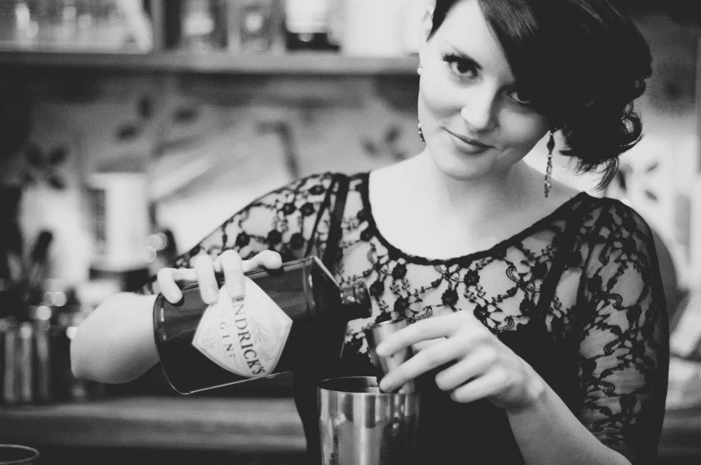 Holly Harwood - Gin & History Enthusiast