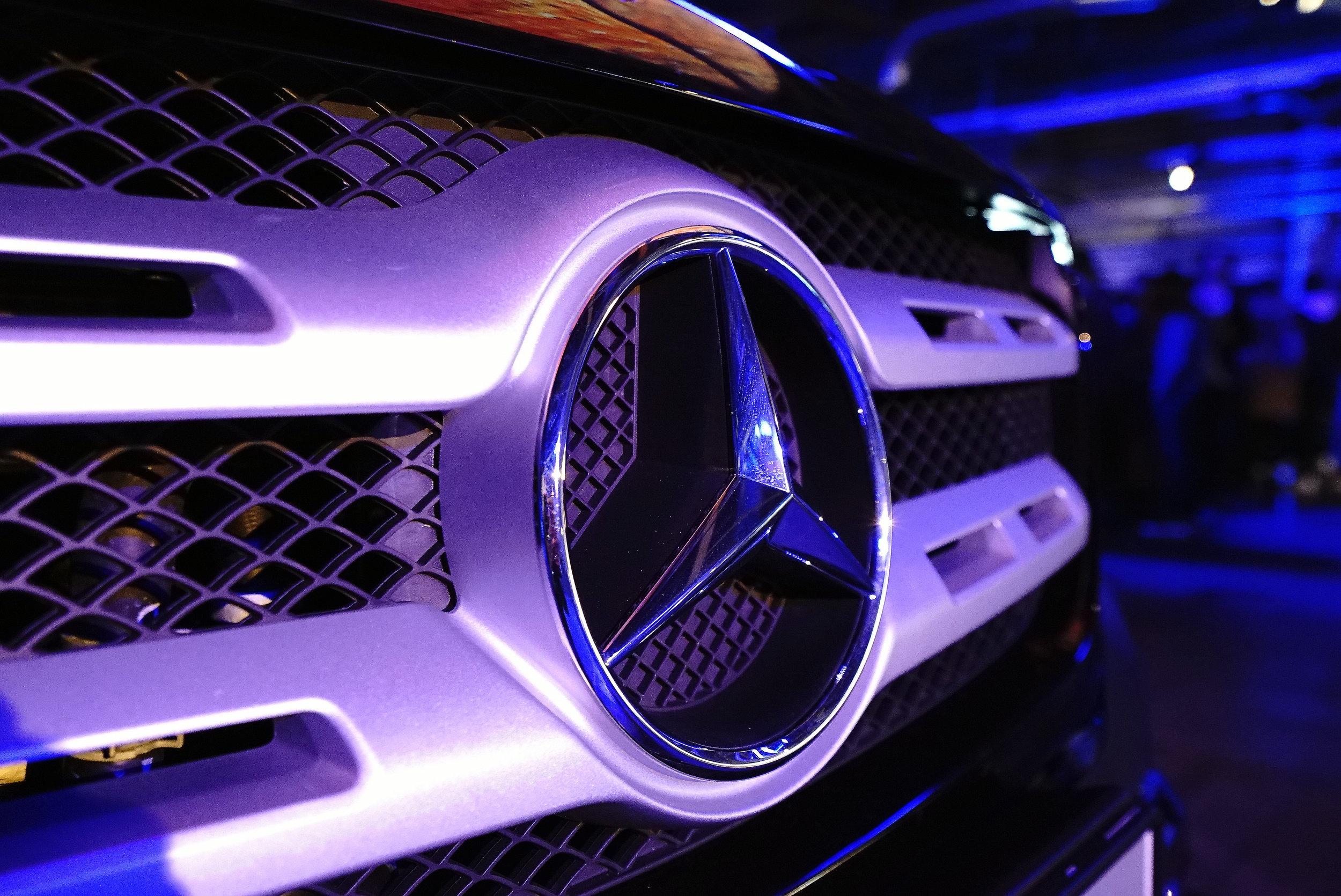 Mercedes X-Class Logo close up.jpg