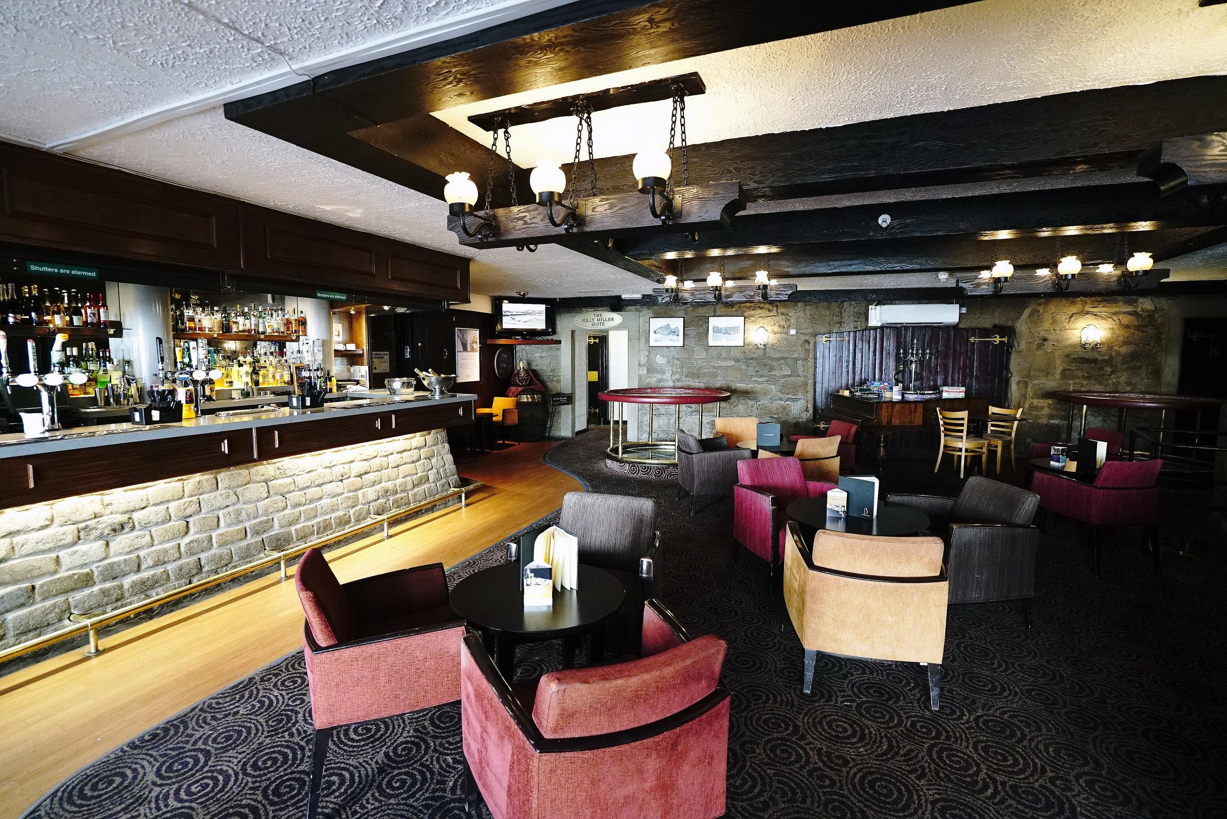 Mercure Perth Bar Area.jpg