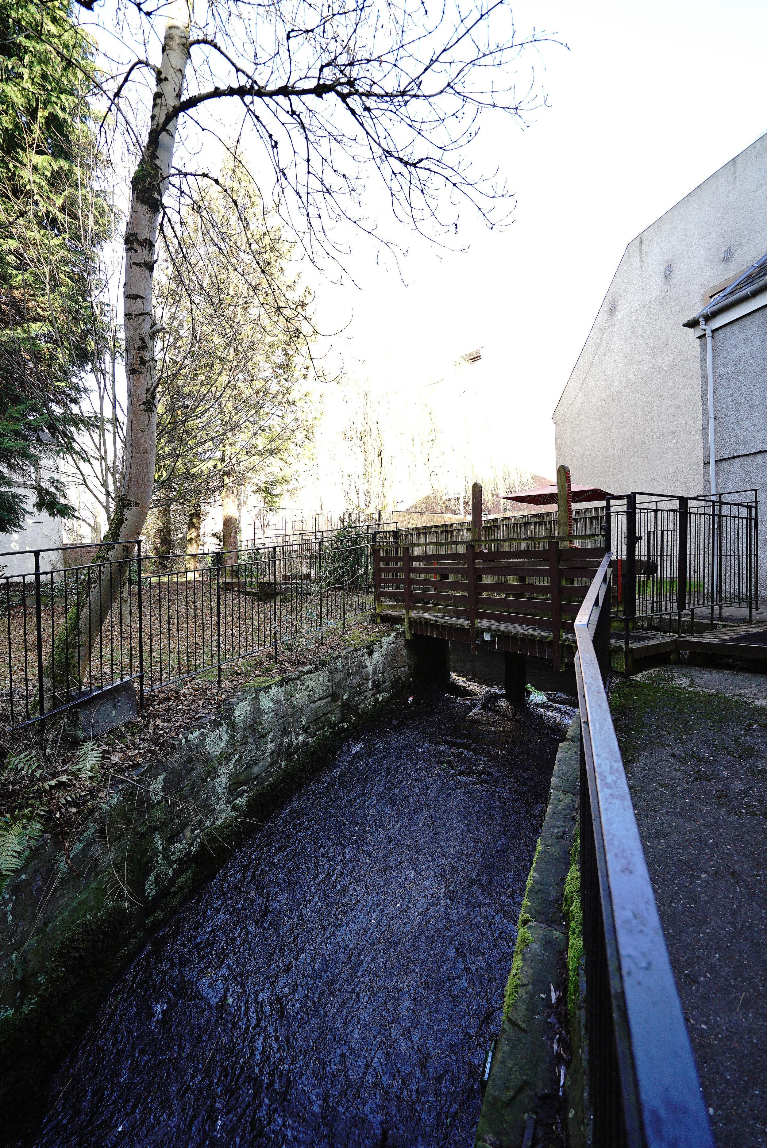 Mercure Perth Garden Lock.jpg
