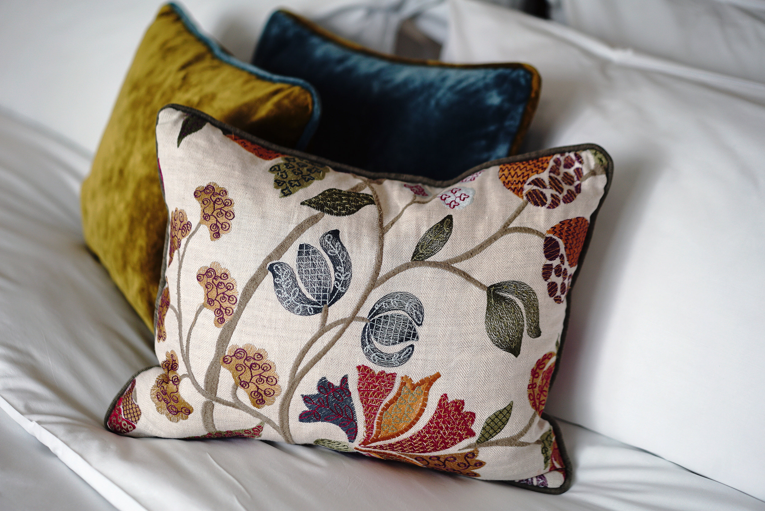 King Street Townhouse Room Bed Pillows.jpg