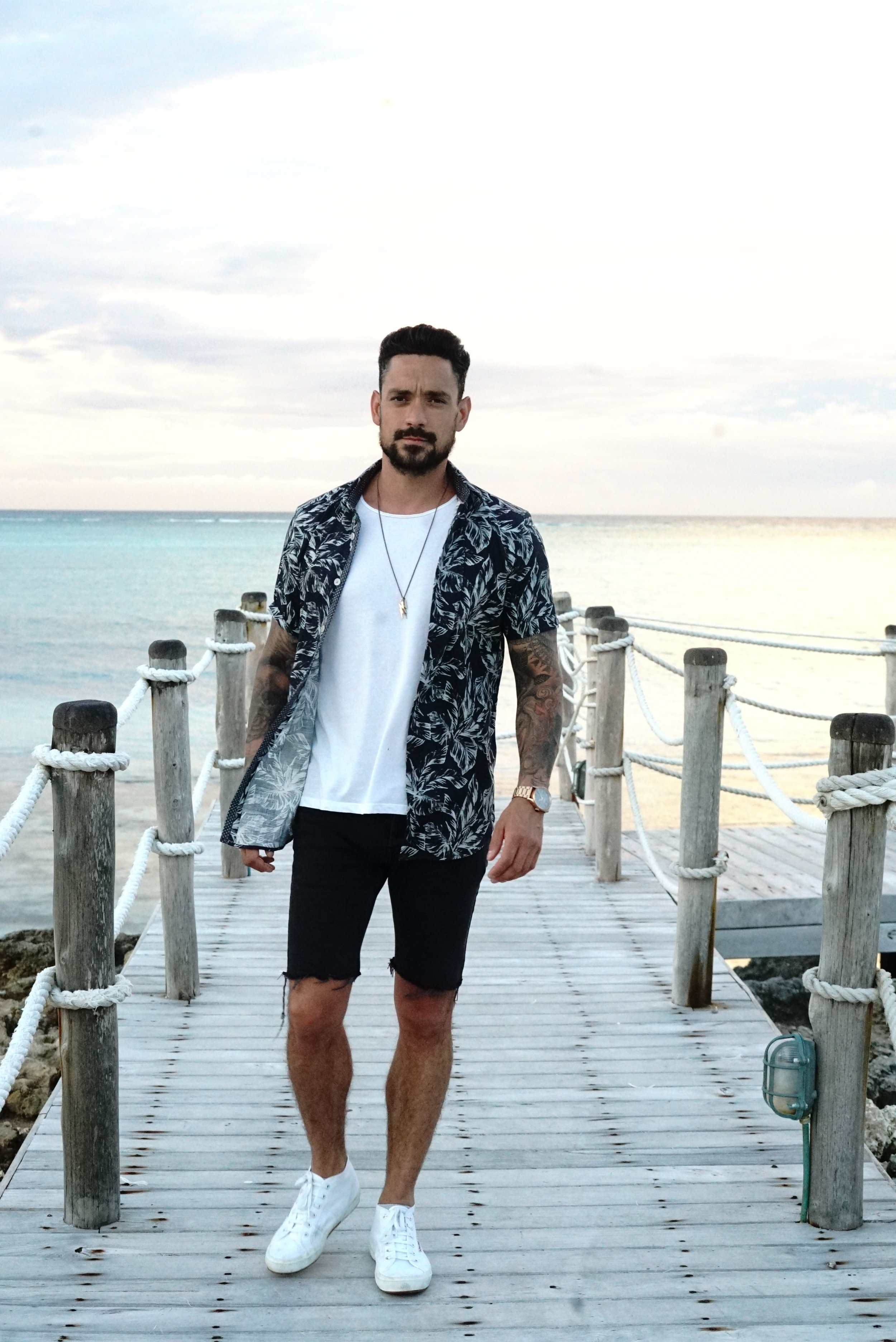 d26cdb39 A Casual Outfit to Wear on Your Summer Holiday   Men's Style Edit ...