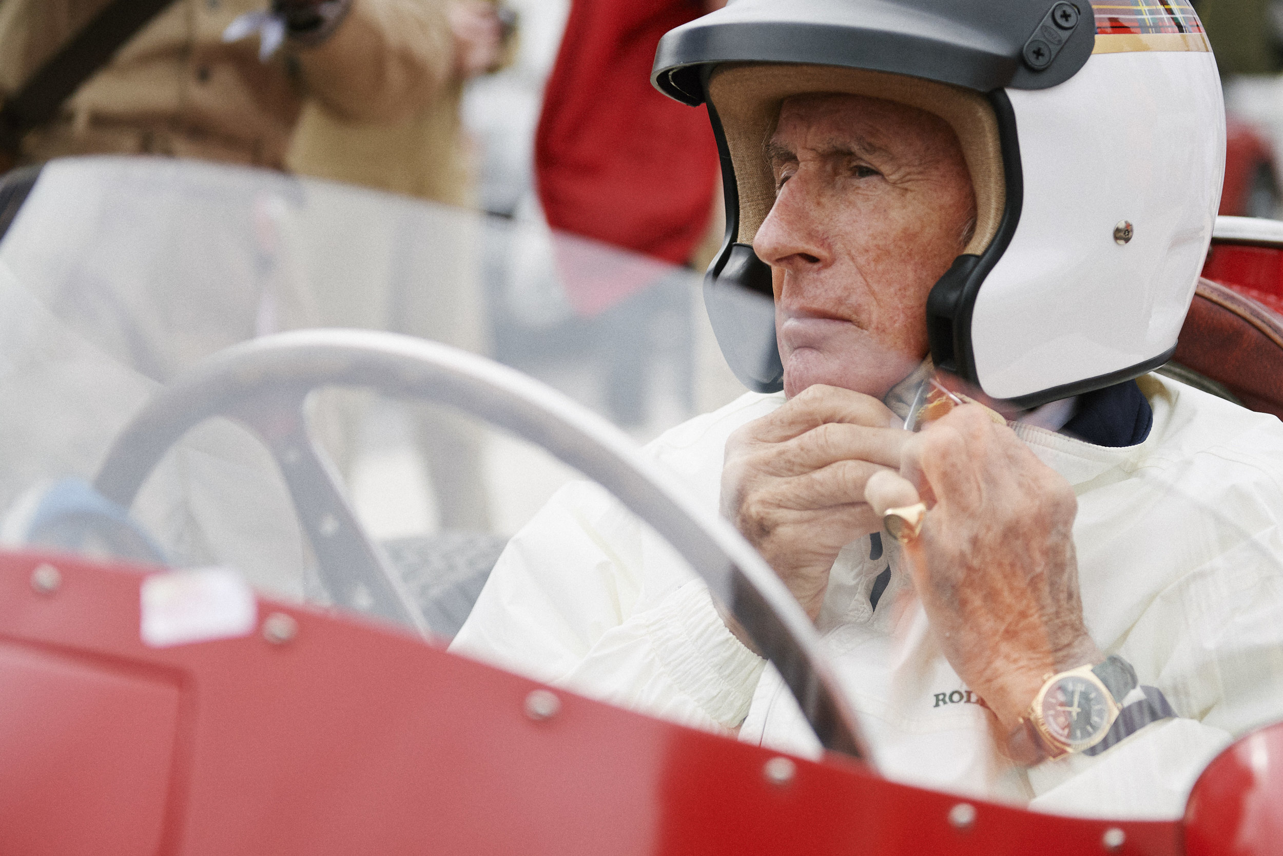 ©Rolex/Guillaume Mégevand ROLEX TESTIMONEE, SIR JACKIE STEWART BEFORE THE GOODWOOD REVIVAL 1957 BRITISH GRAND PRIX CELEBRATION
