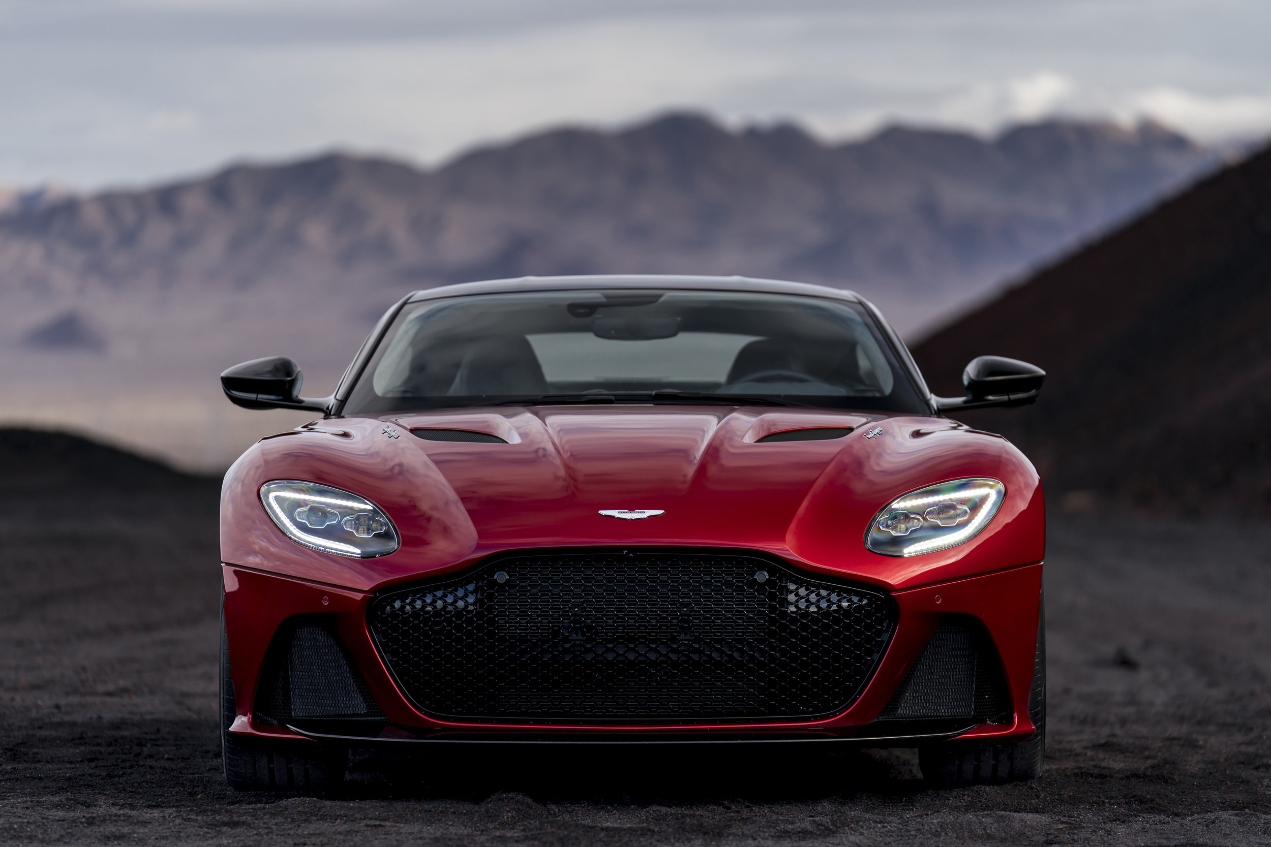 DBS Superleggera (12).jpg
