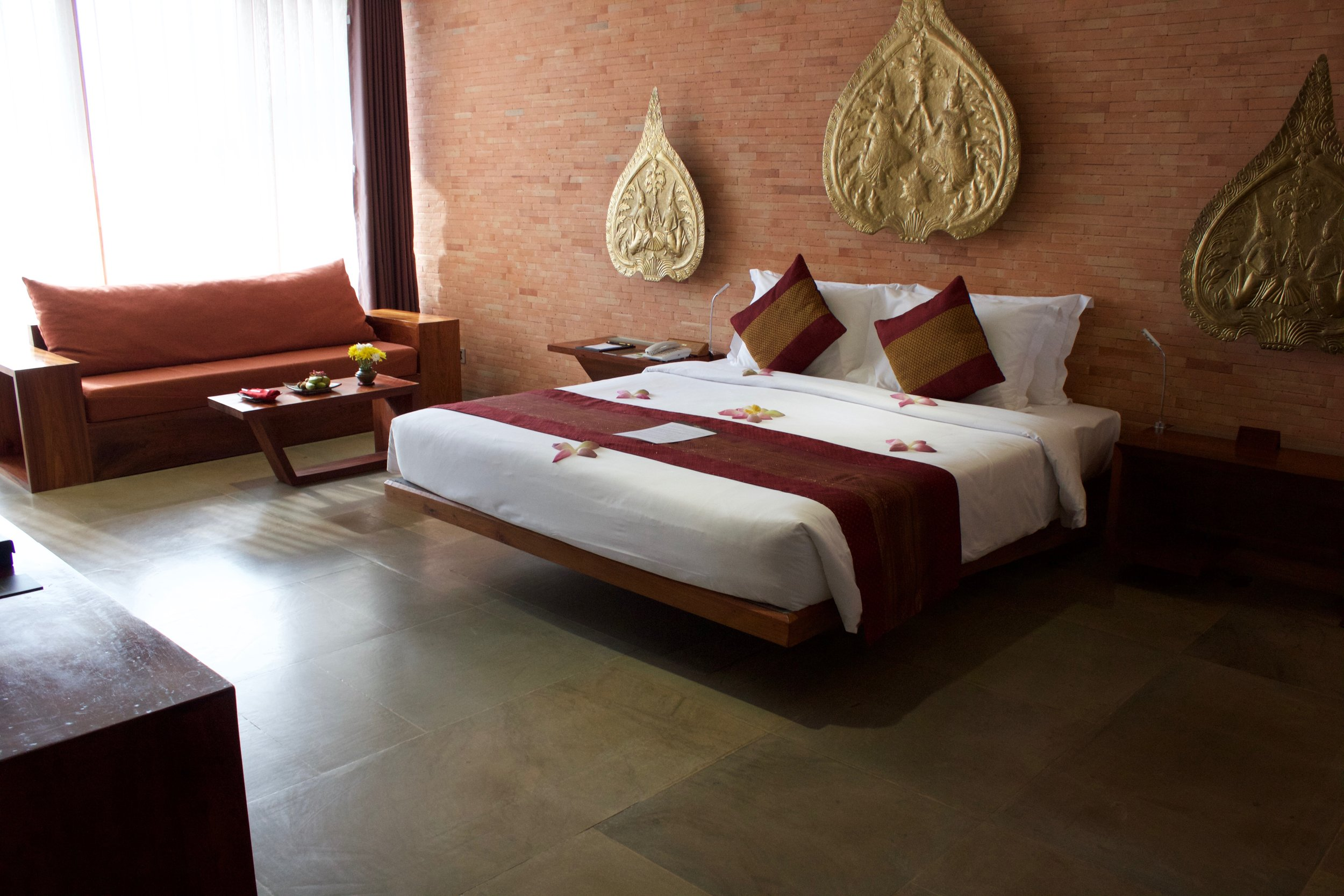 Golden-temple-residence-bedroom.jpg
