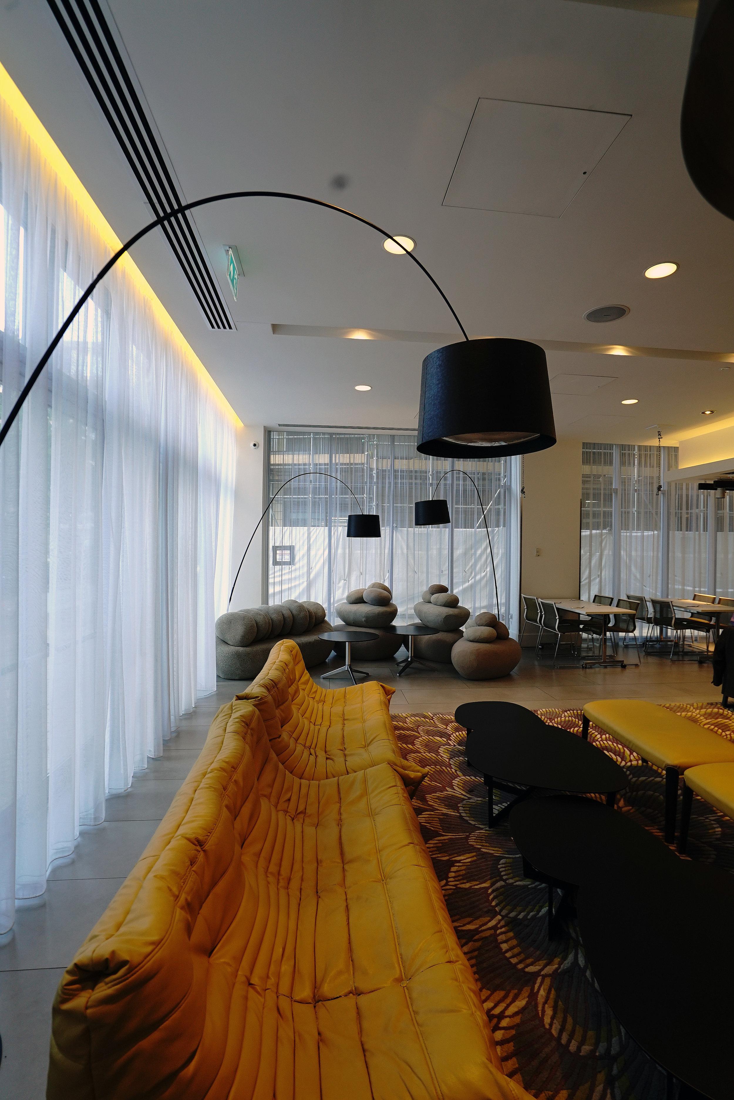 Novotel Brentford Hotel Lounge P.jpg
