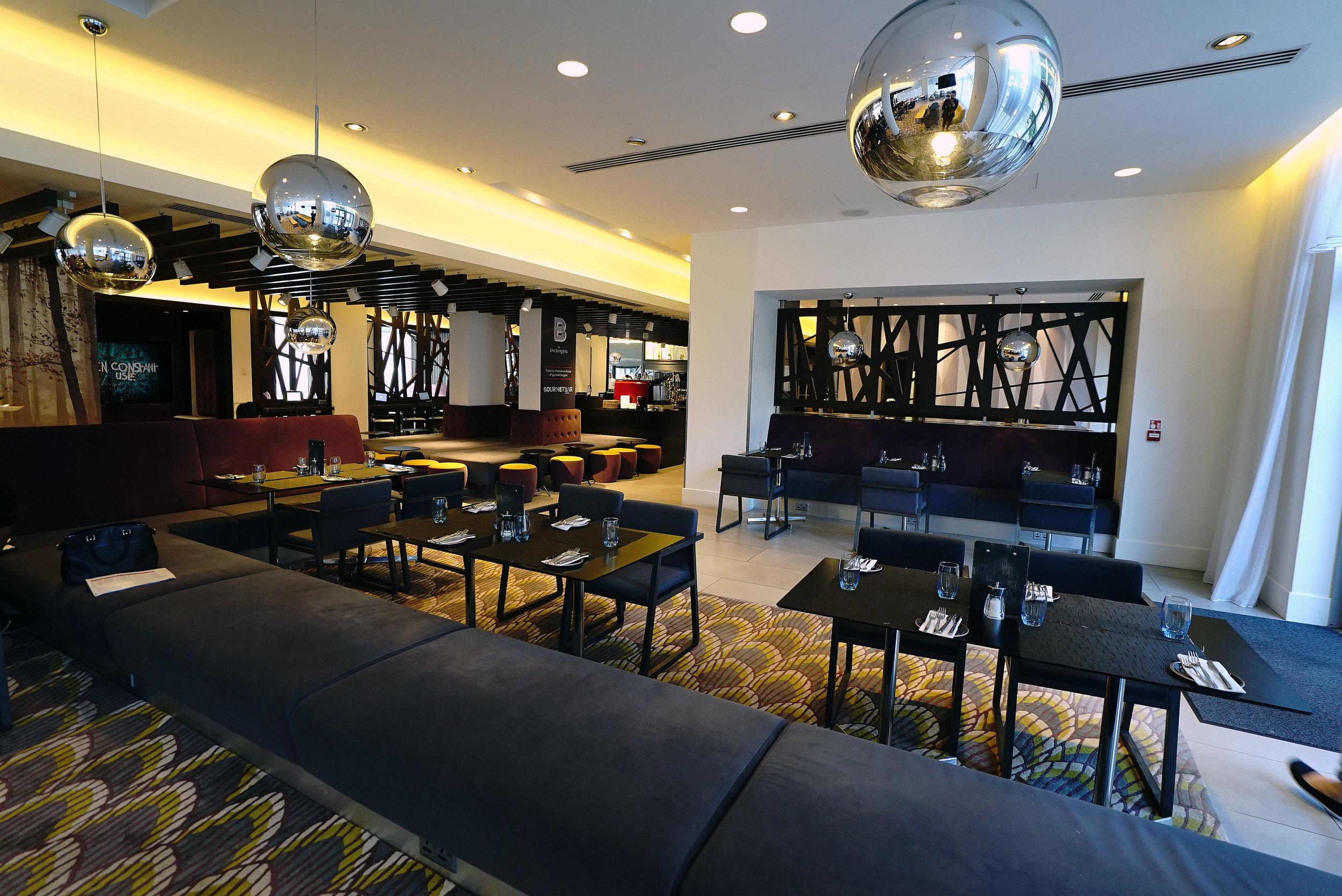 Novotel Brentford Hotel Restaurant L.jpg