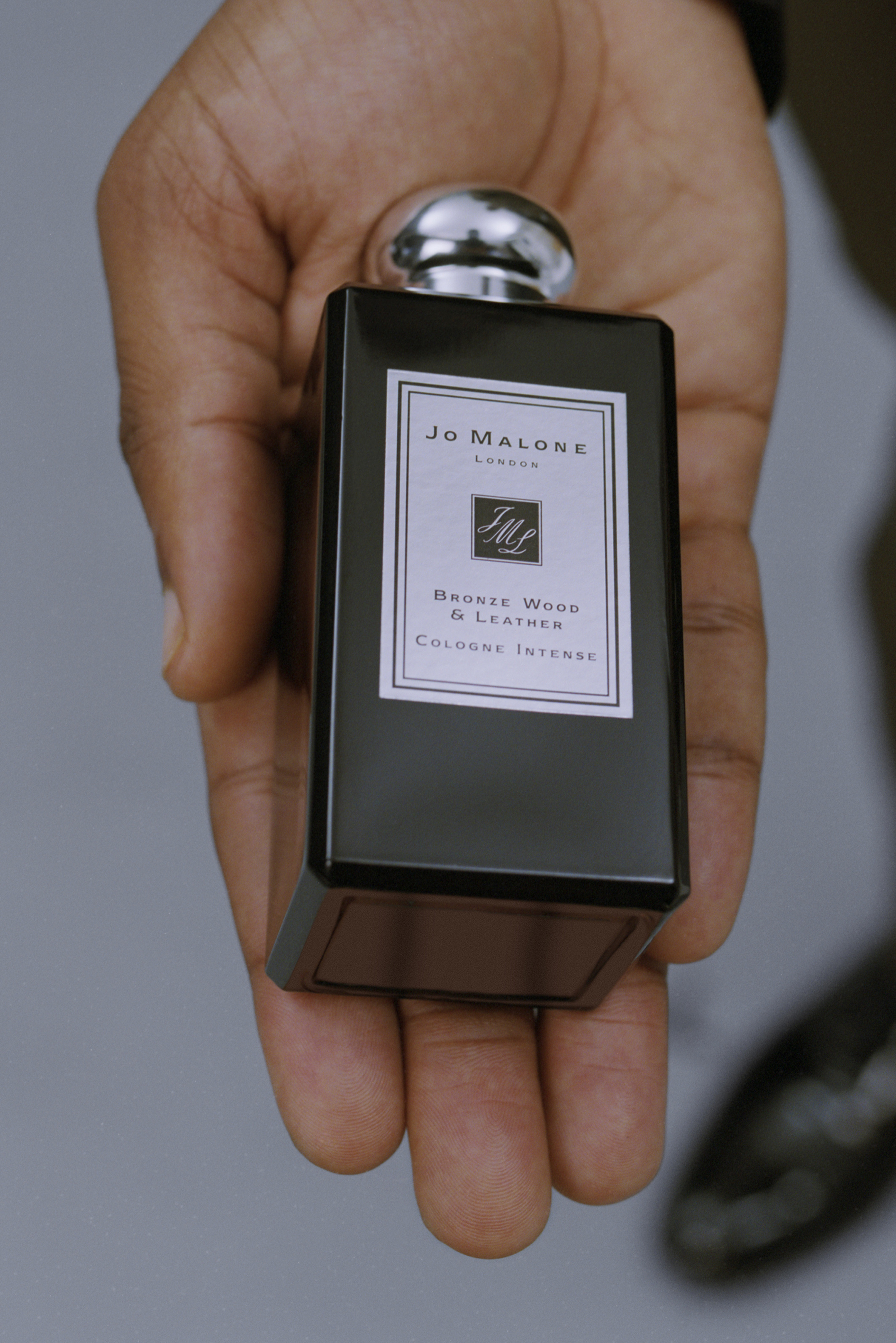 Jo Malone London - The Gent Bottle Portrait.jpg