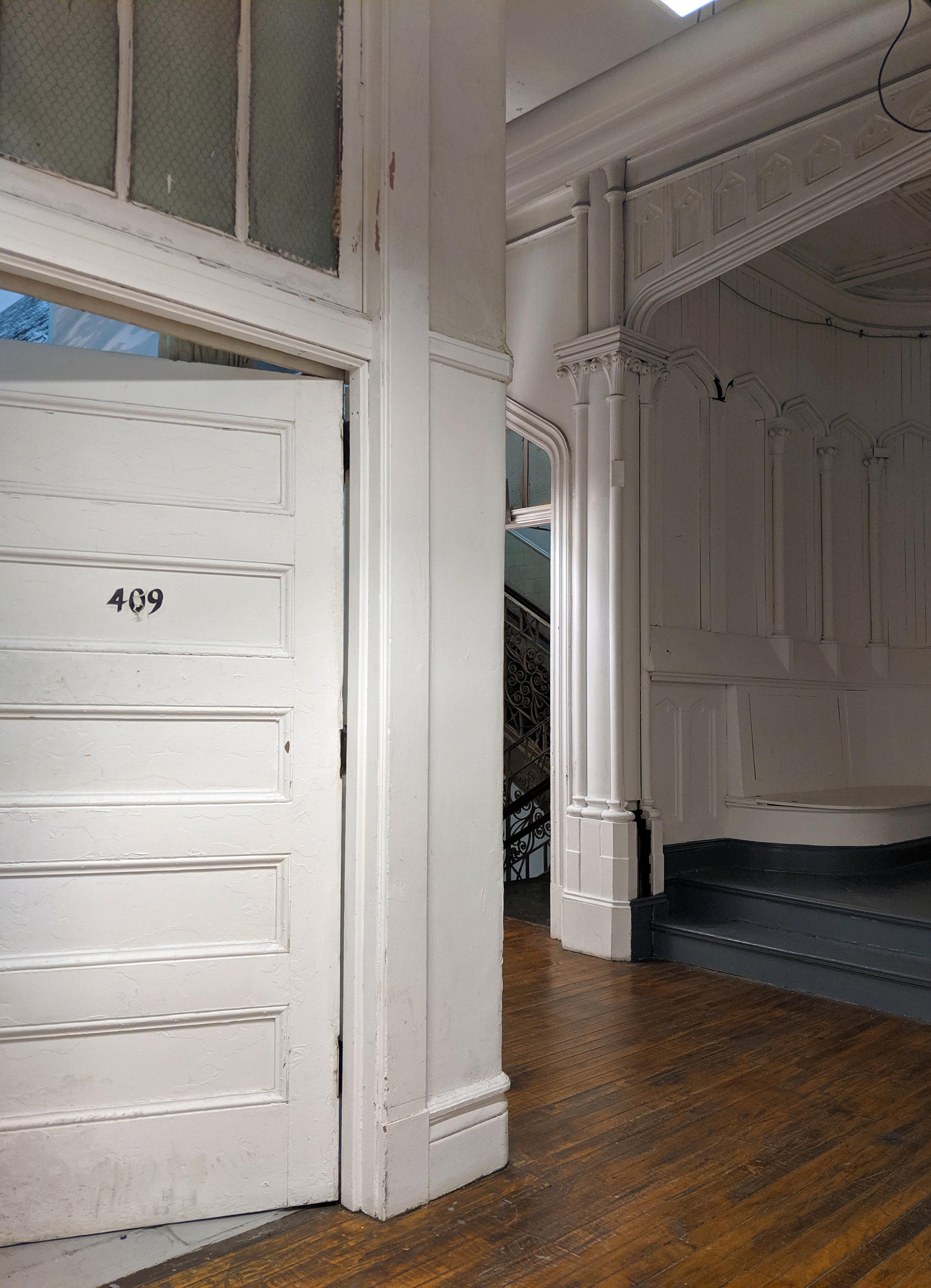 Door409.jpg