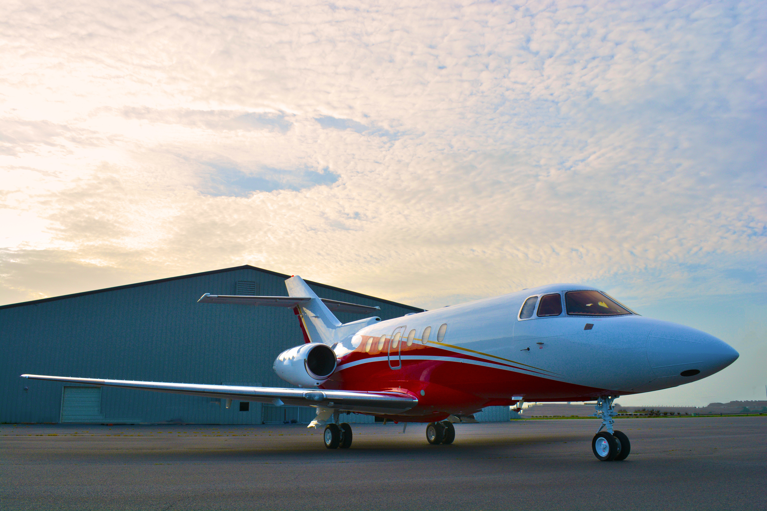 N79TS_Hawker800_Paint.JPG