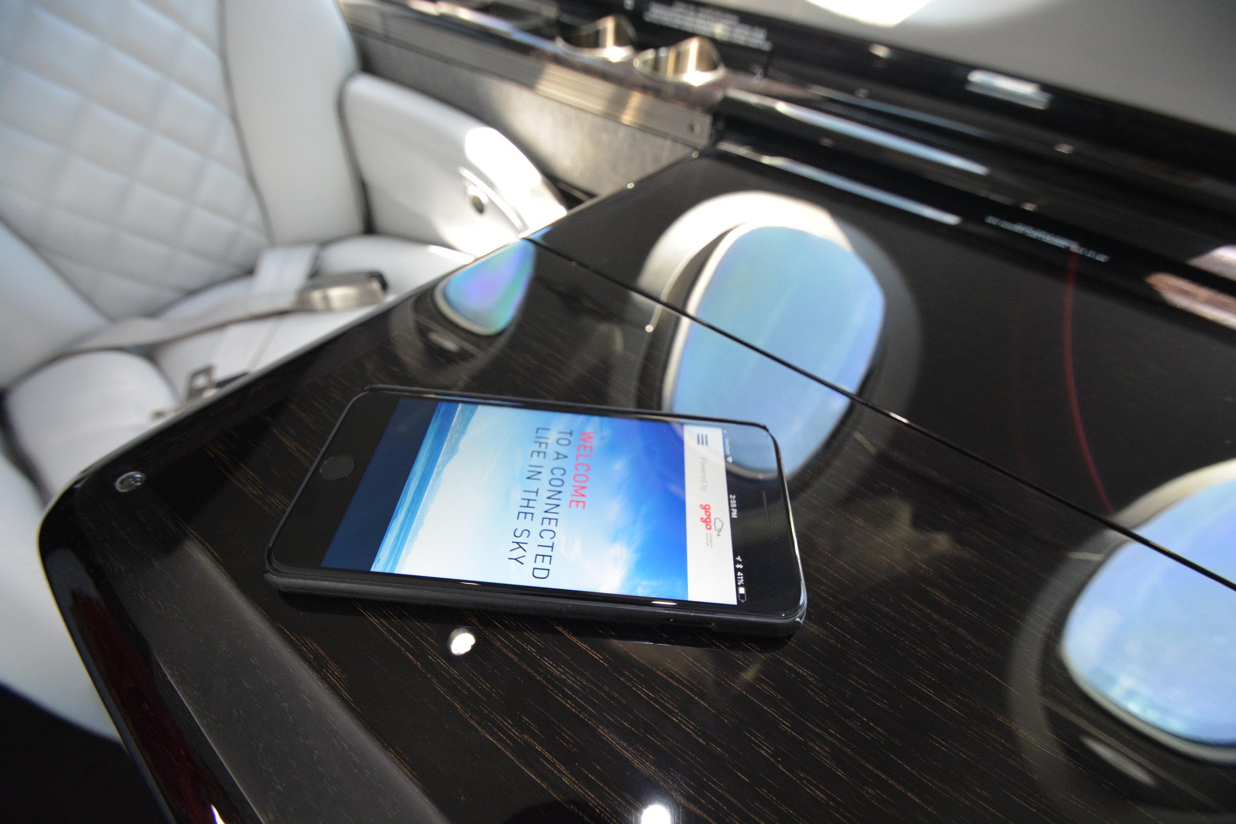 715ST GoGo Wifi_iPhone CardTable.JPG