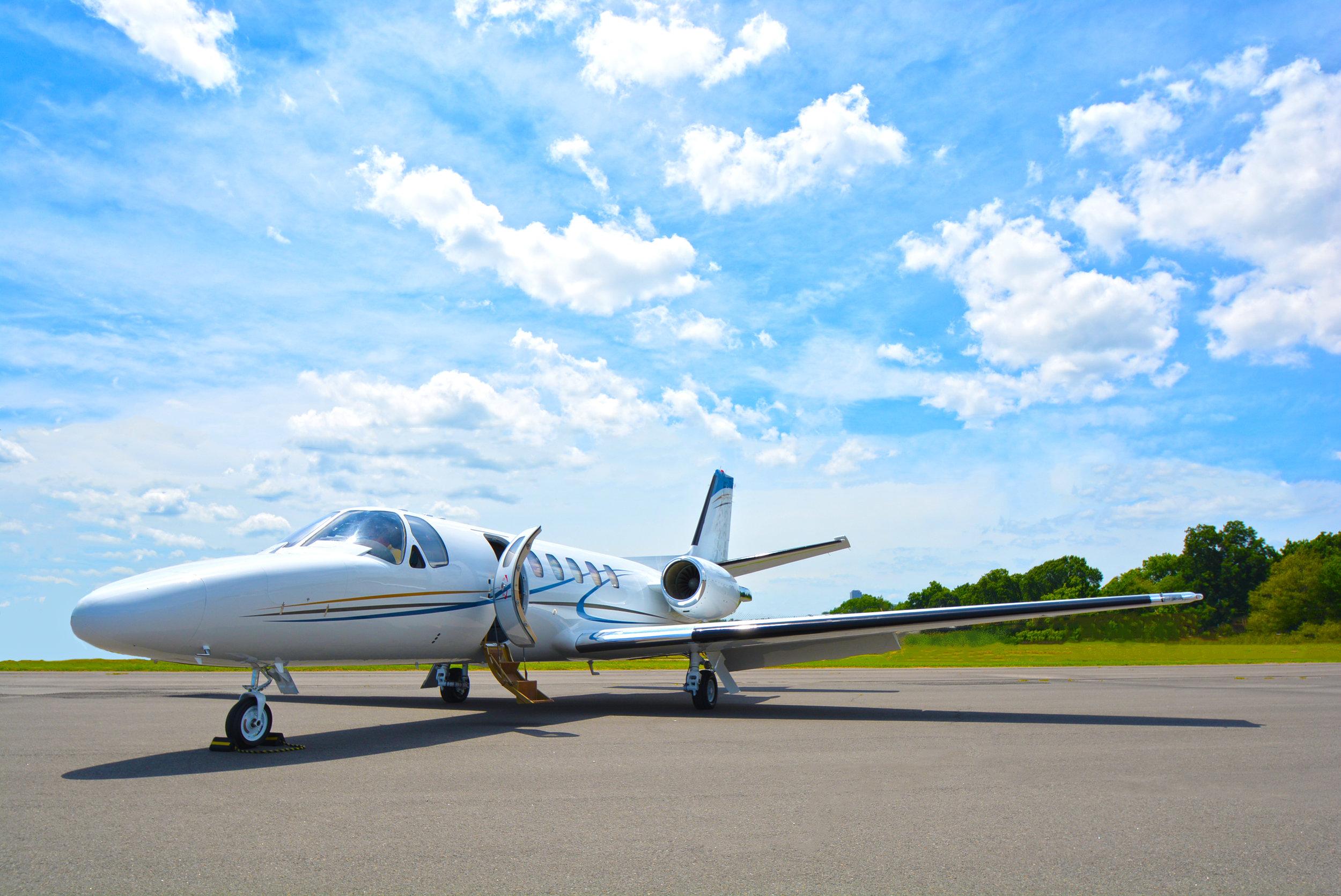 Priming a Hawker 900XP