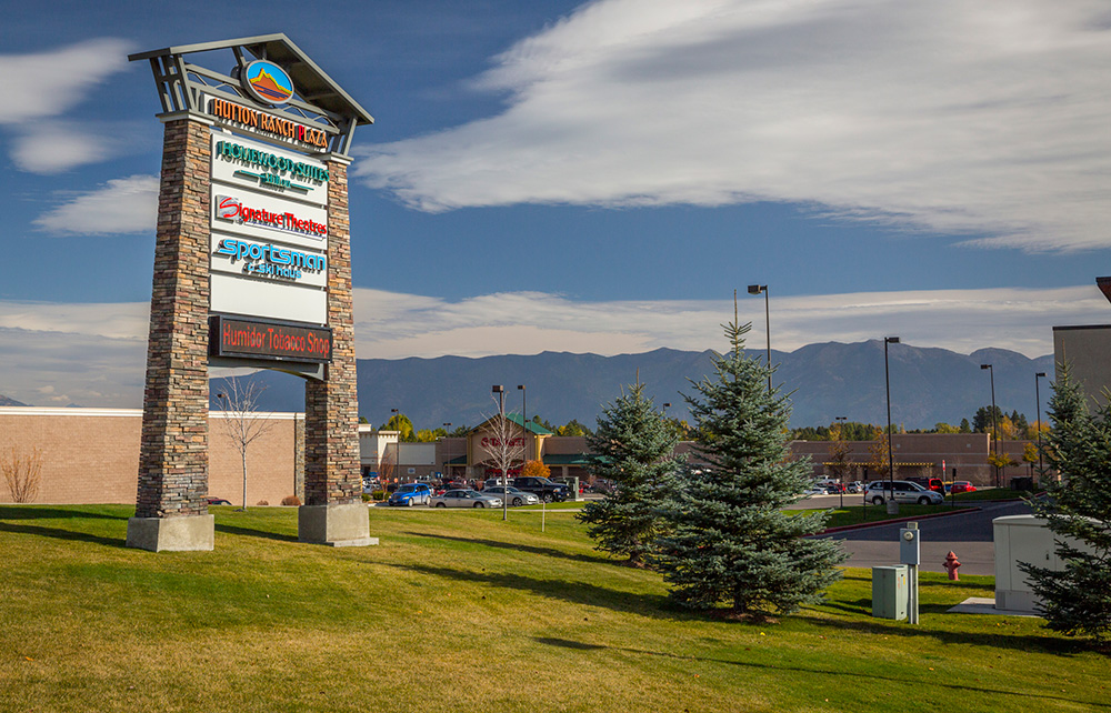 Hutton Ranch Plaza Signage
