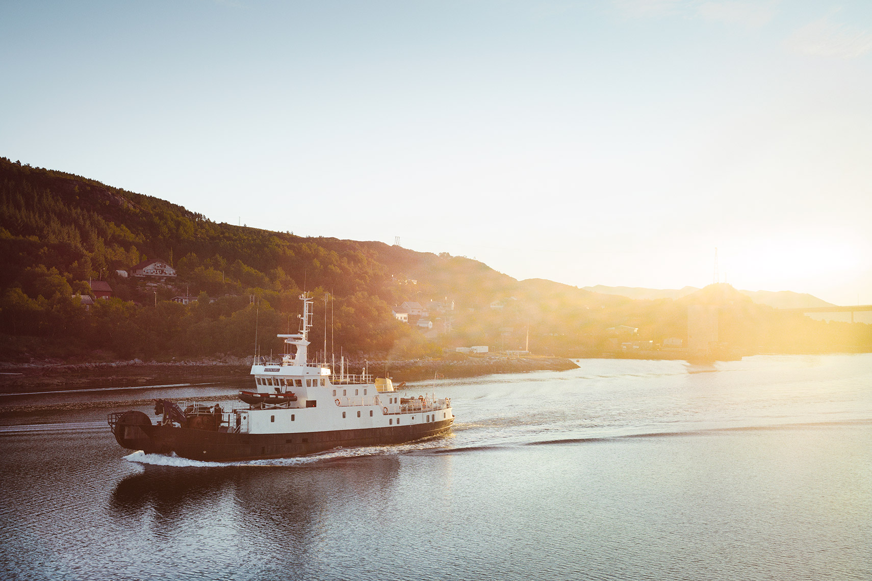 NORWAY_BOAT_SUNRISE-16724.jpg