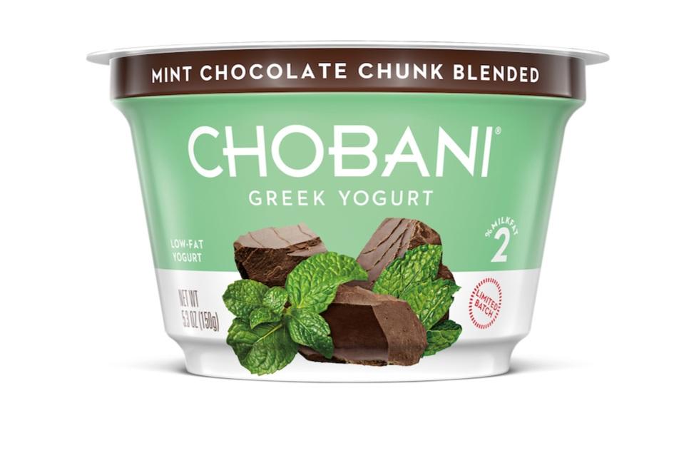 mint_chocolate_chunk_5pt3oz_cup_StraightAngle_v001.jpg