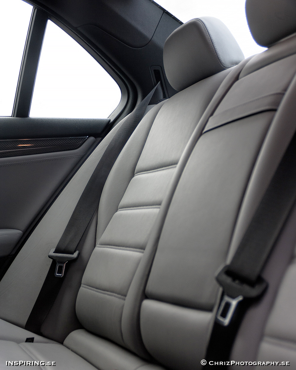 Inspiring.se_OUTTHERE_copyright_ChrizPhotography.se_634_Mercedes_C63_interior.jpg