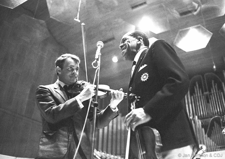 Svend AsMussen & Stuff Smith Performing Live In 1966