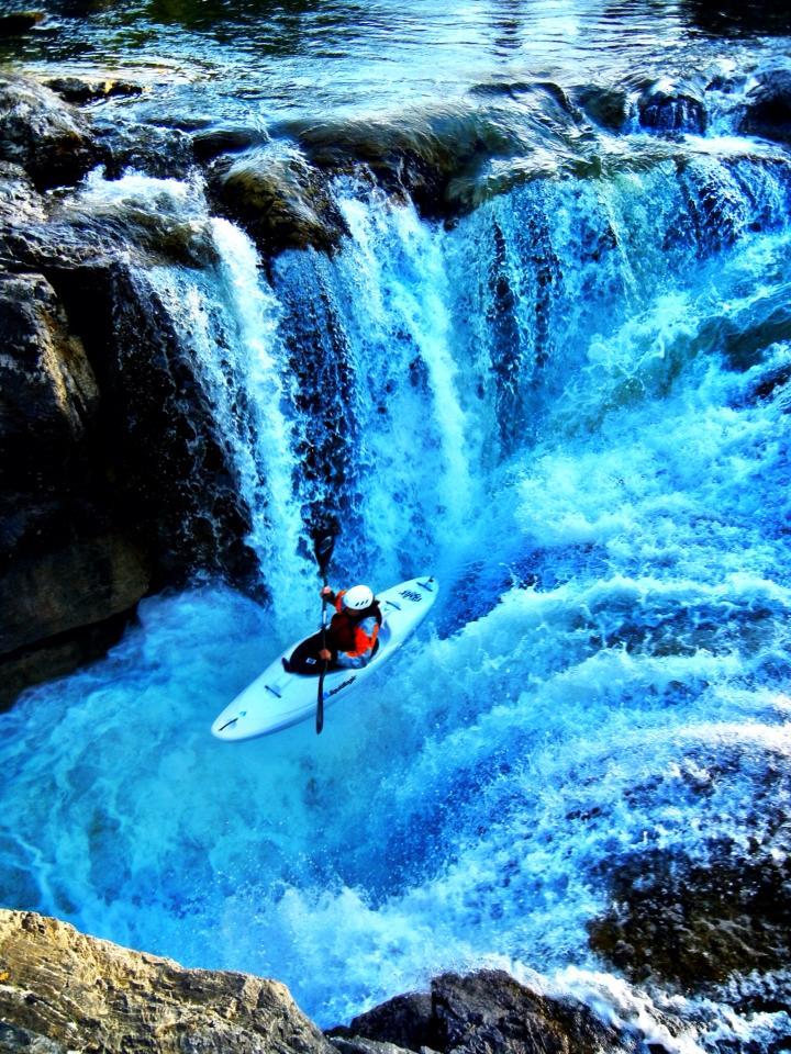 Elbow Falls 2013.jpg