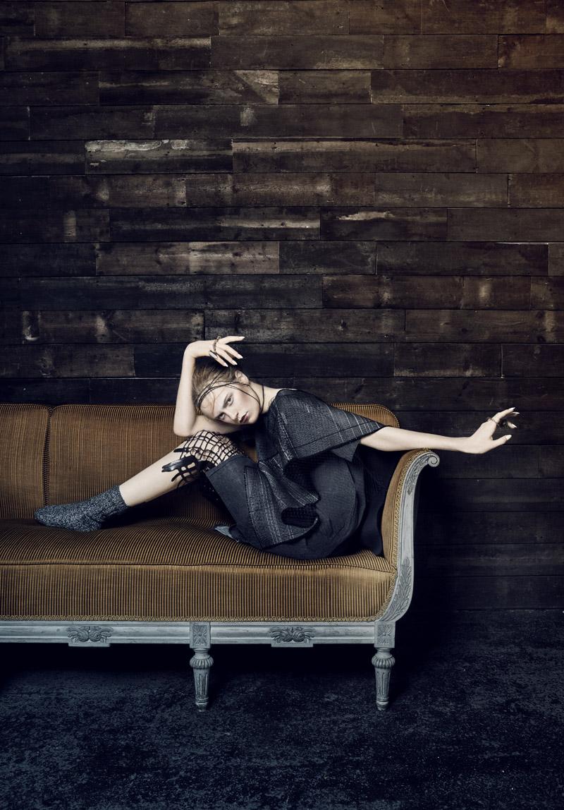 Photographer Anna Peftieva lensed Feyoena @ Established Models for us. Styling by Kiera Liberati