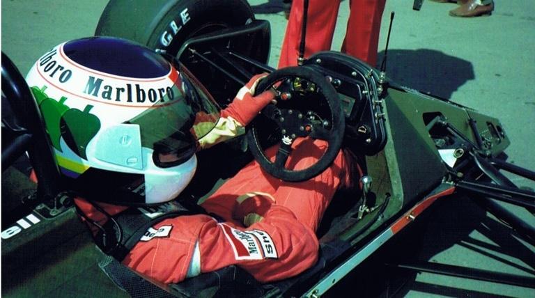 Stefanb Johansson McLaren cockpit.jpg
