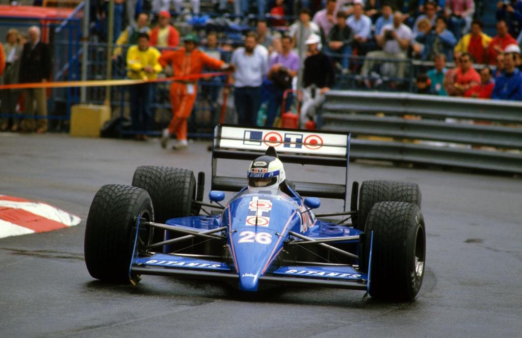 Stefan JOHANSSON(Ligier-1988)Monaco.jpg