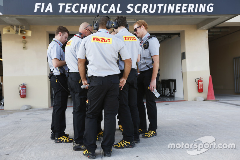 gp3-yas-marina-2015-pirelli-engineers-outside-the-fia-garage.jpg
