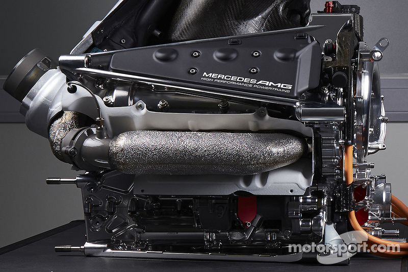 f1-mercedes-amg-f1-w06-launch-2015-details-of-the-power-unit-of-the-mercedes-amg-f1-w06.jpg
